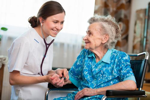 Såväl läkarna som ingick i det mobila teamet som de äldre som fick hembesök var nöjda med det nya arbetssättet.