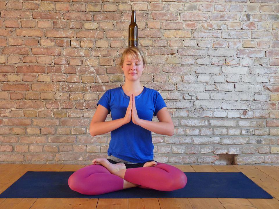 Genom att ta filosofin från yoga och kombinera den med njutningen av att dricka öl når man enligt grundarna den högsta nivån av medvetande.