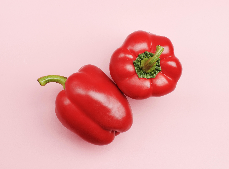 Att äta röd paprika är ett bra sätt att få i sig tillräckligt med C-vitamin.