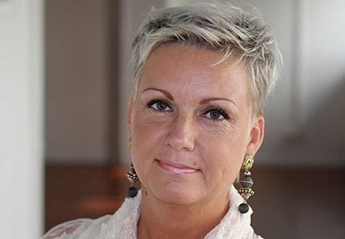 Charlotte Sander är diplomerad samtalsterapeut och som har lång erfarenhet av par som behöver hjälp i relationen.