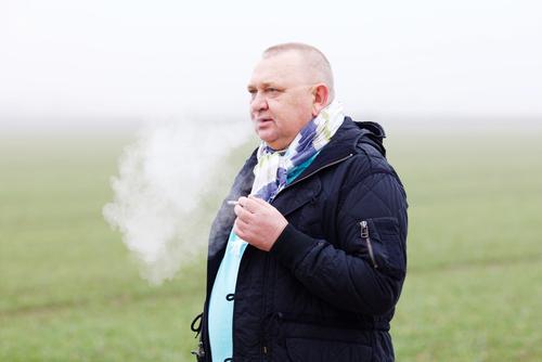 Den dominerande orsaken till KOL är rökning. Närmare 90 procent av alla som får KOL är, eller har varit rökare under en längre tid.