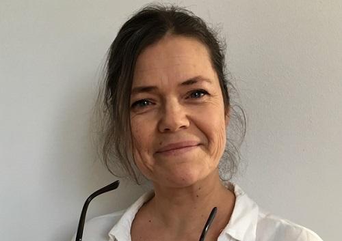 Lotta Hasselberg är barnmorska och kurator och grundare av Klimakterieportalen.