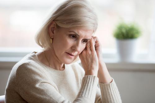 Sjögrens syndrom är en kronisk sjukdom som vanligtvis visar sig genom flera olika tecken.