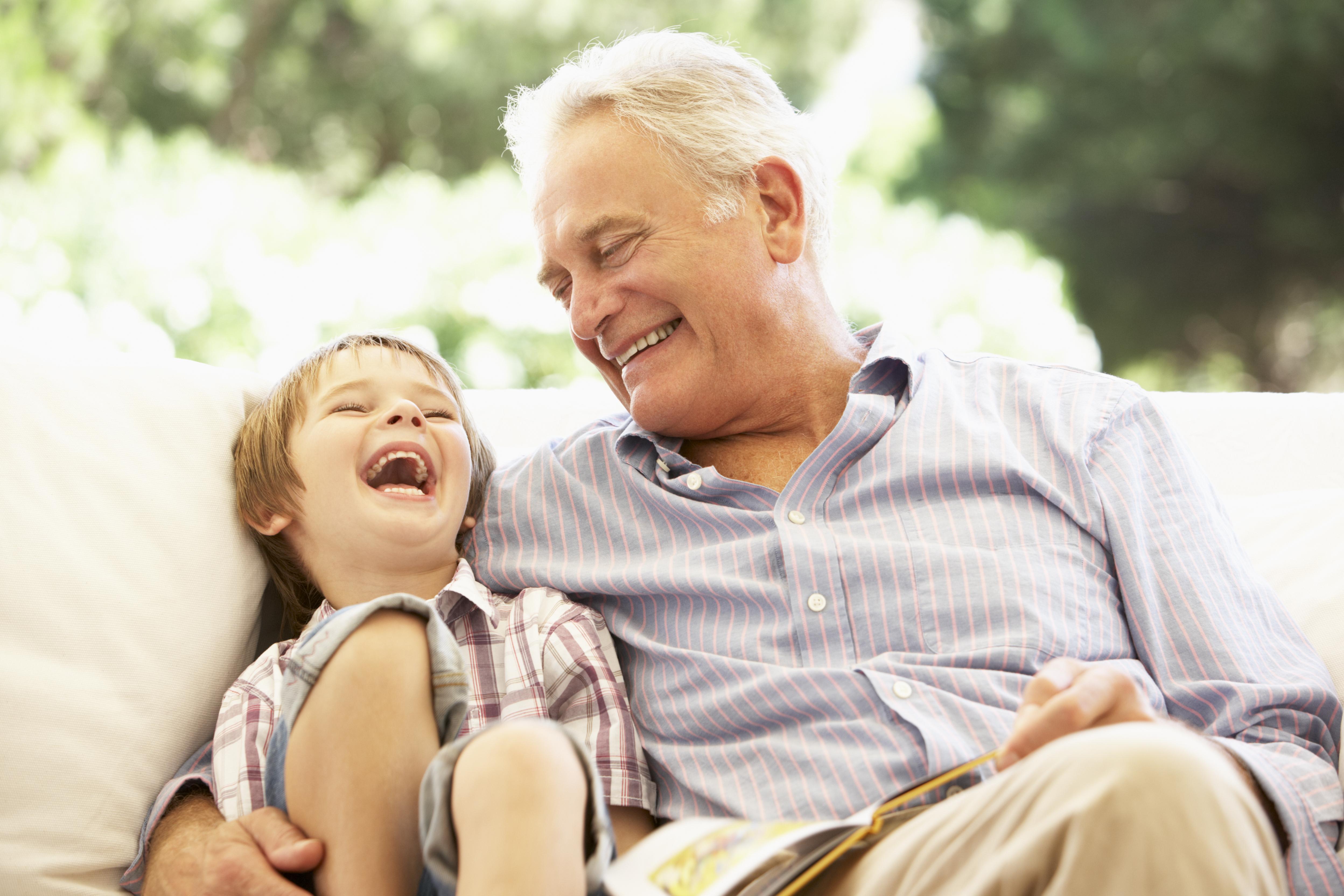 Skratt har en positiv inverkan på oss människor, både mentalt och fysiskt.