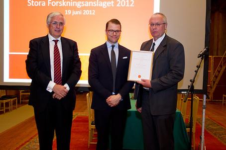 Staffan Josephson, generalsekreterare för Hjärt-Lungfonden, H.K.H Prins Daniel och Ulf Eriksson. Foto: Hjärt-lungfonden