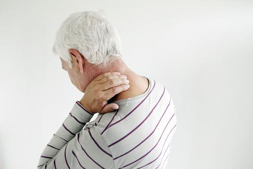 Symtom börjar med smärta på ena sidan av kroppen.