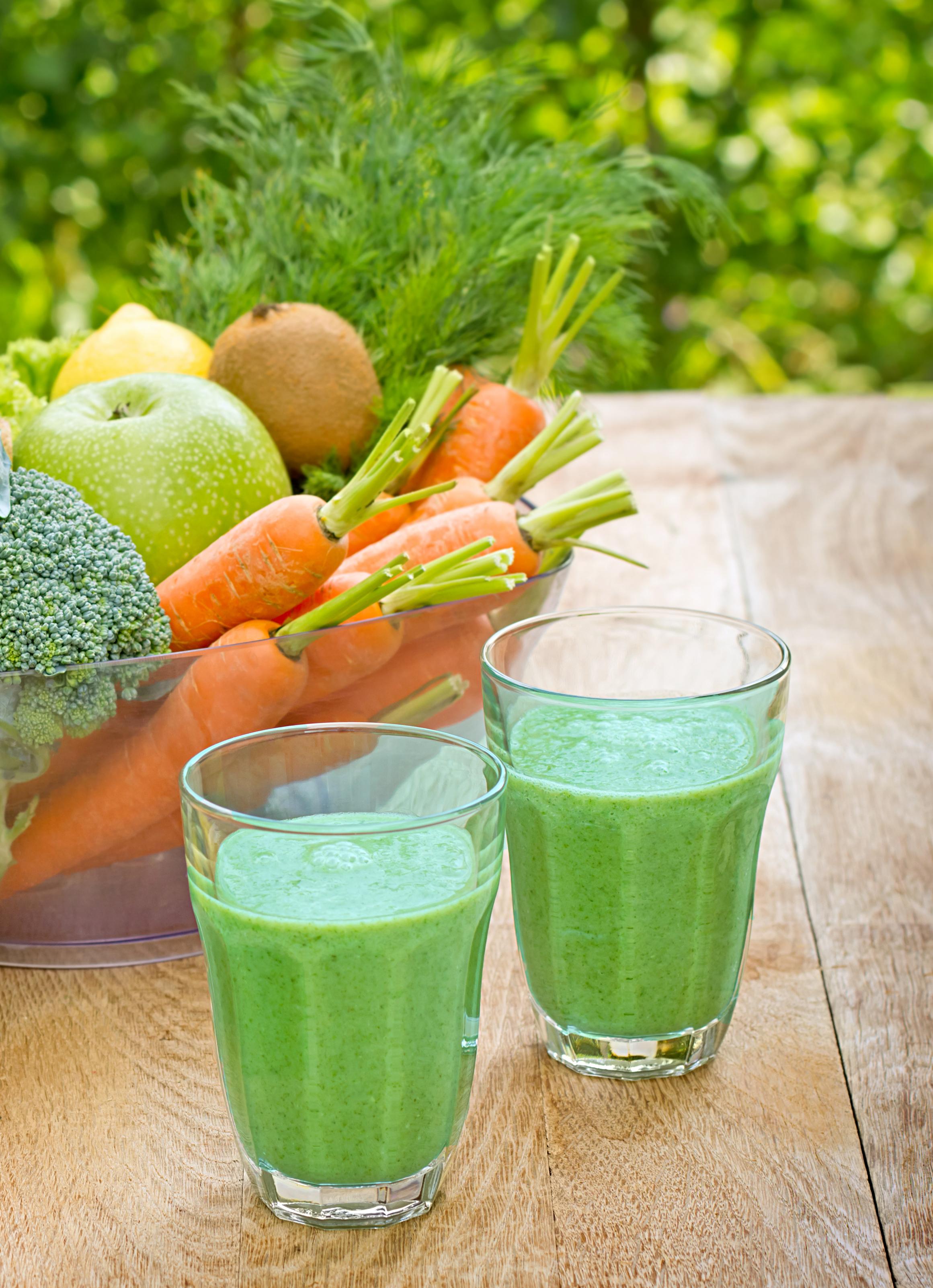 broccoli banan kiwi smoothie benskörhet ben hälsa matrecept hälsorecept må bra doktorn kunskap.jpg