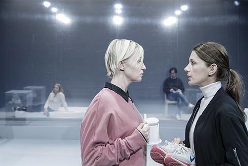 Skådespelarna Sofia Pekkari och Nina Zanjani Foto: Ola Kjelbye