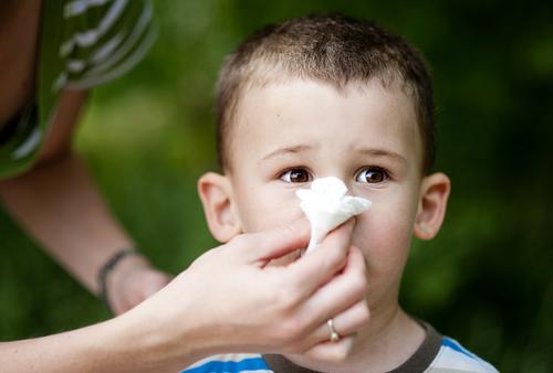 Barnfamiljer är värst utsatta och små barn kan drabbas av förkylning flera gånger per år.