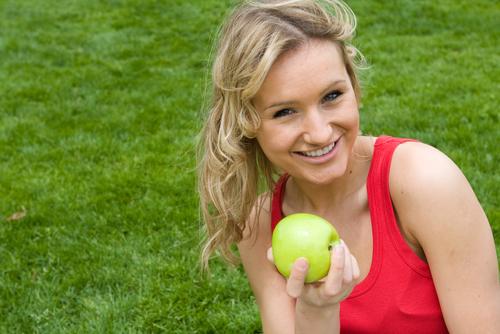 Livsmedelsverket rekommenderar att vi får i oss 500 gram frukt och grönt om dagen vilket motsvarar ungefär tre frukter.