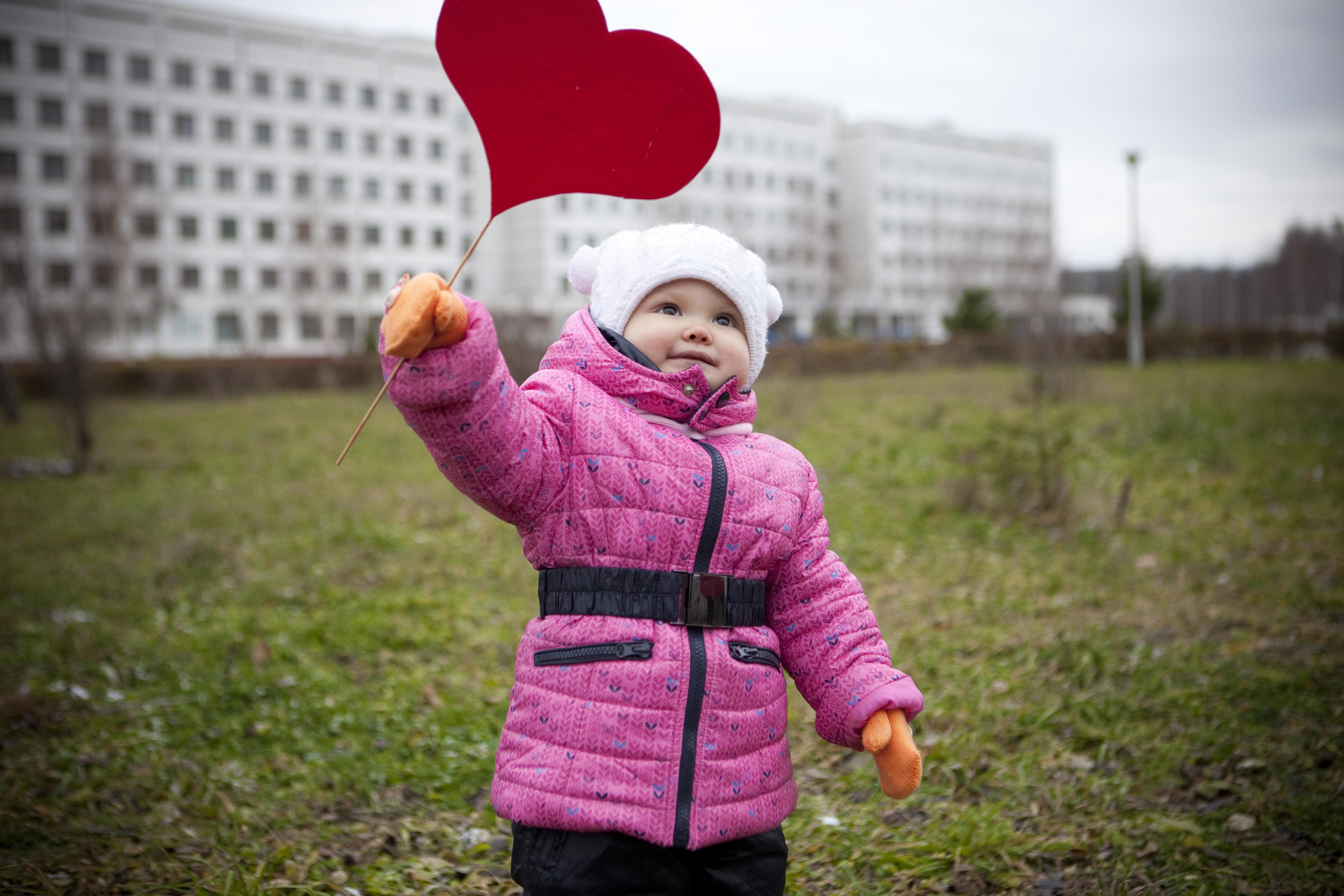 Det är viktigt att upptäcka medfödda hjärtfel hos barn.