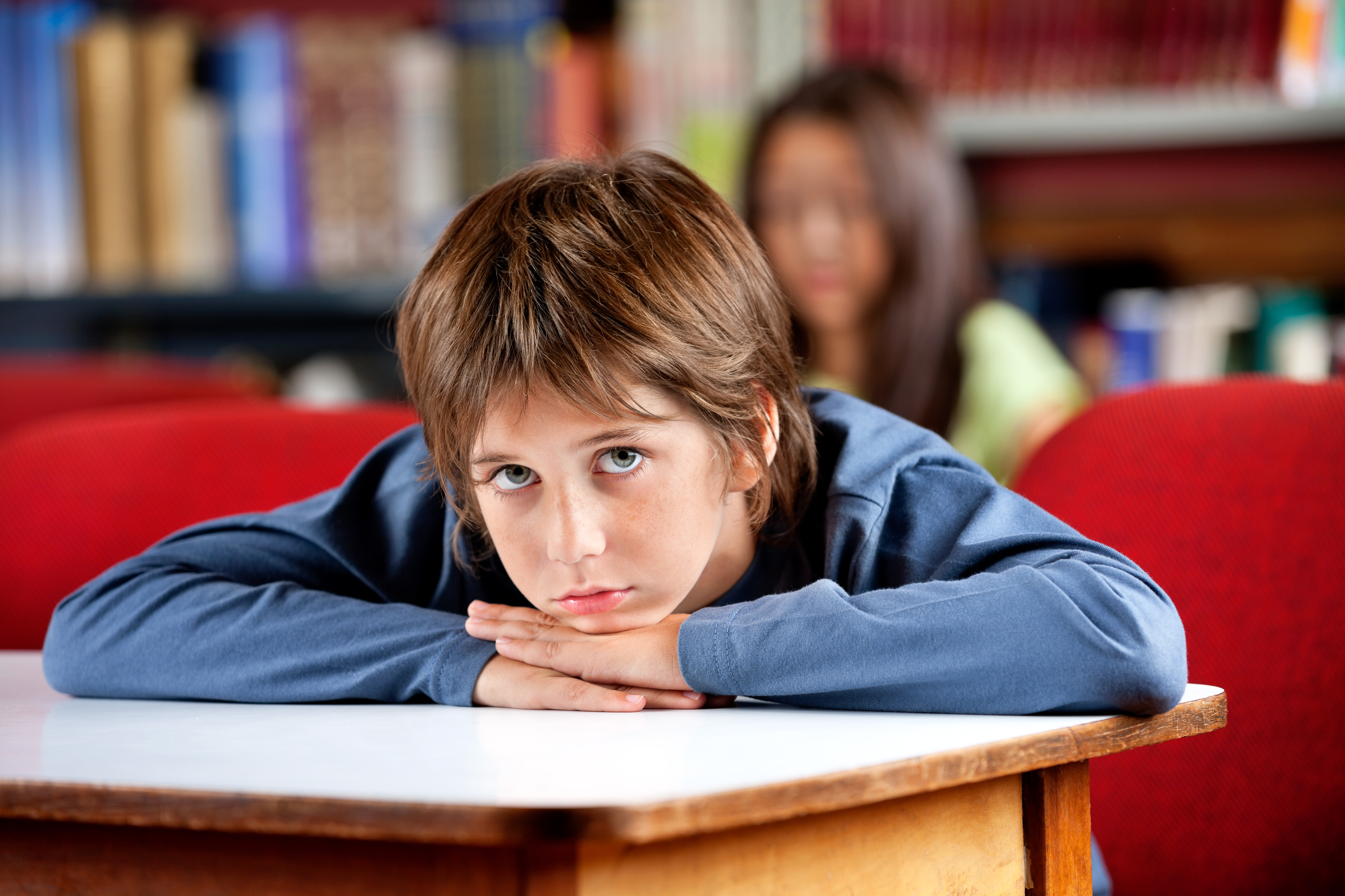 Många elever med kronisk trötthet på grund av huvudvärk upplever värk i såväl mage som huvud, blir deprimerade och att tappar koncentrationen.