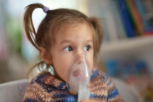 Det är svårt att diagnostisera astma hos små barn, så nydebuterad astma kan misstolkas som en luftvägsinfektion.