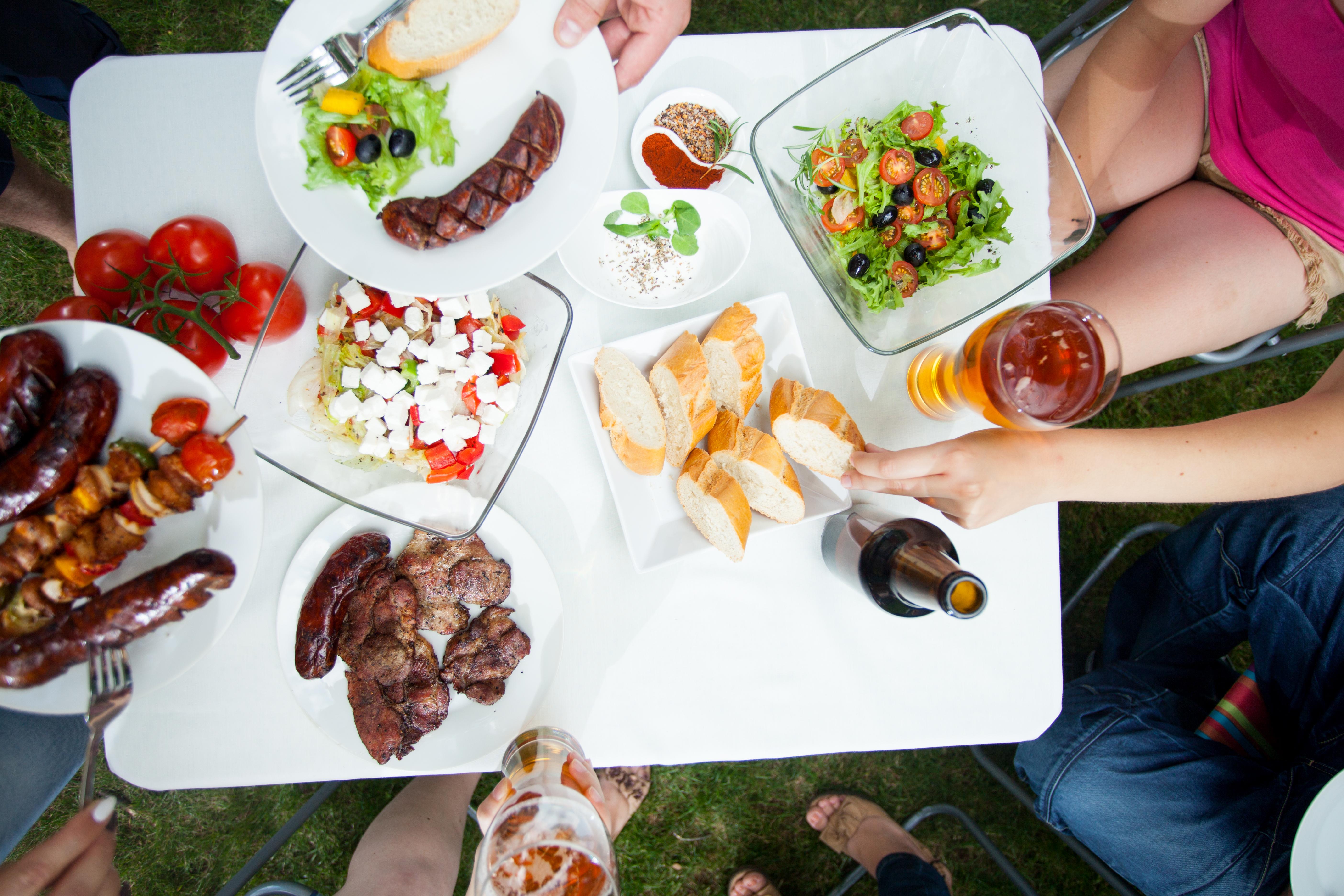 Redan tidigt förstår vi det sociala förhållandet vid måltider vilket i sin tur påverkar val av maträtter.