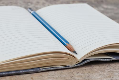 Att skriva ner när du får besvär och i vilket sammanhang kan hjälpa både dig och läkaren att förstå vad besvären beror på.