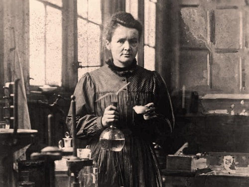 Marie Curie blev inte bara den första kvinnan att tilldelas Nobelpriset, utan även den första personen att tilldelas Nobelpriset två gånger.