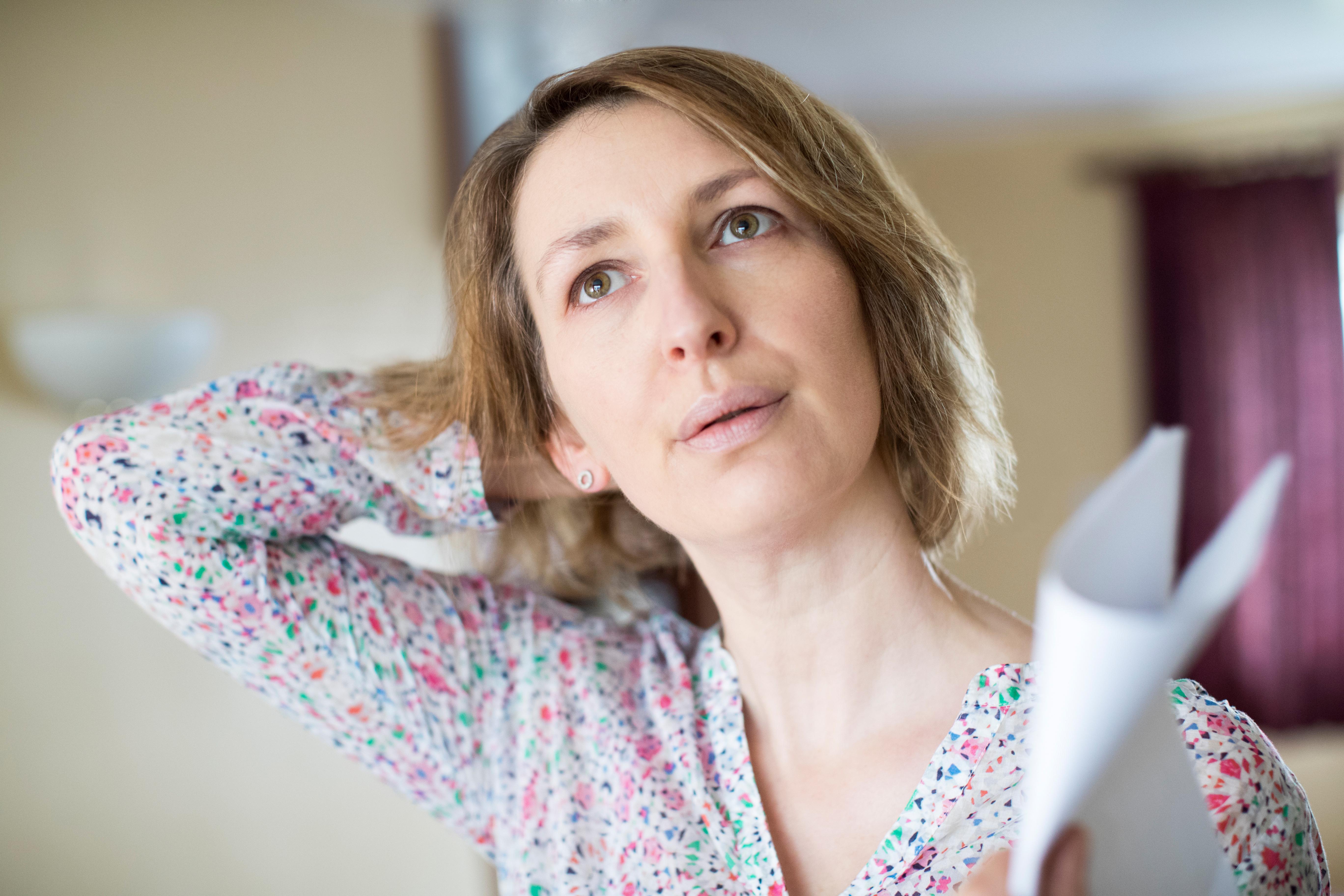Vissa kvinnor får så pass svåra svettningar att de vaknar på natten alldeles genomblöta medan andra inte besväras alls.