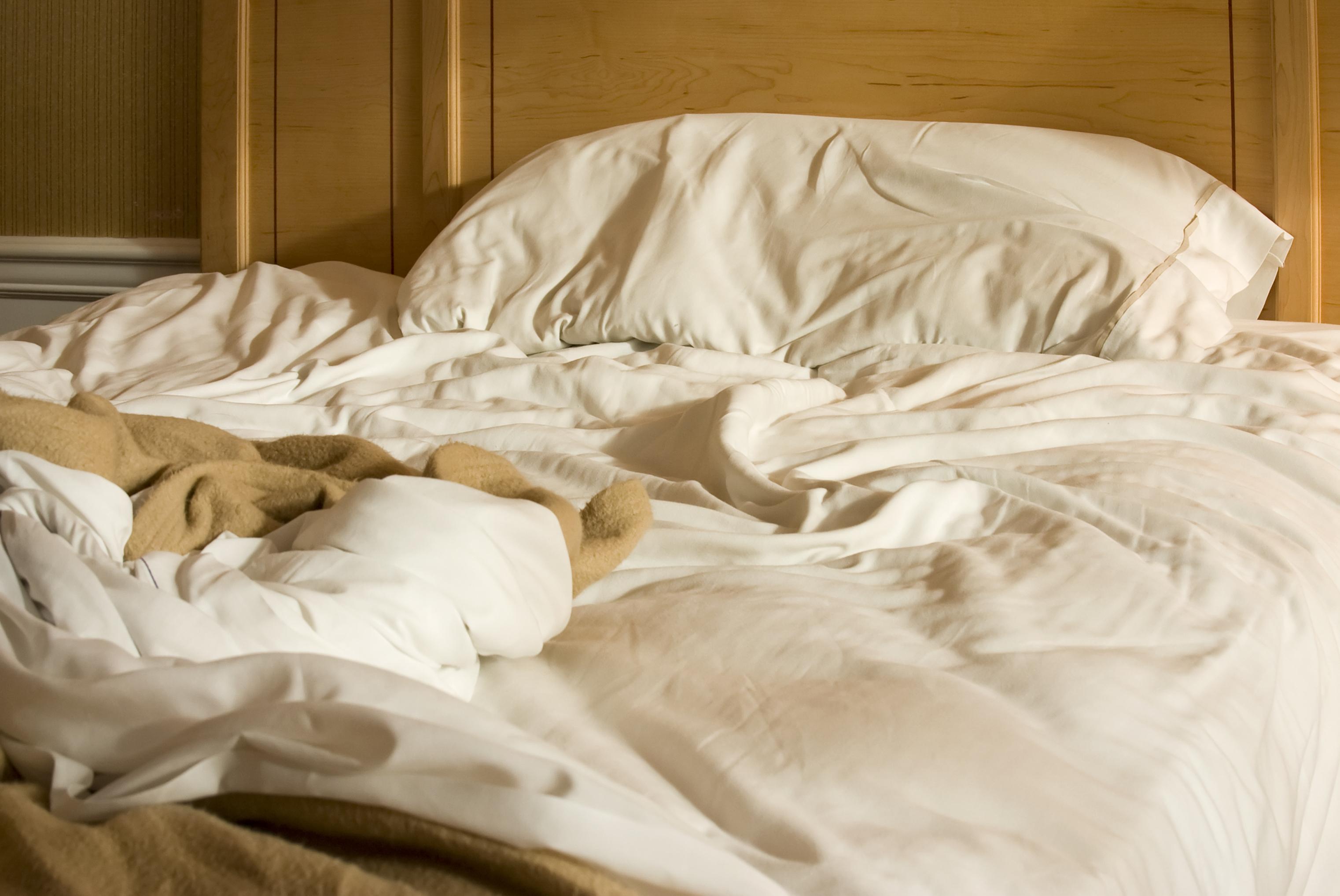 få bort kvalster i sängen