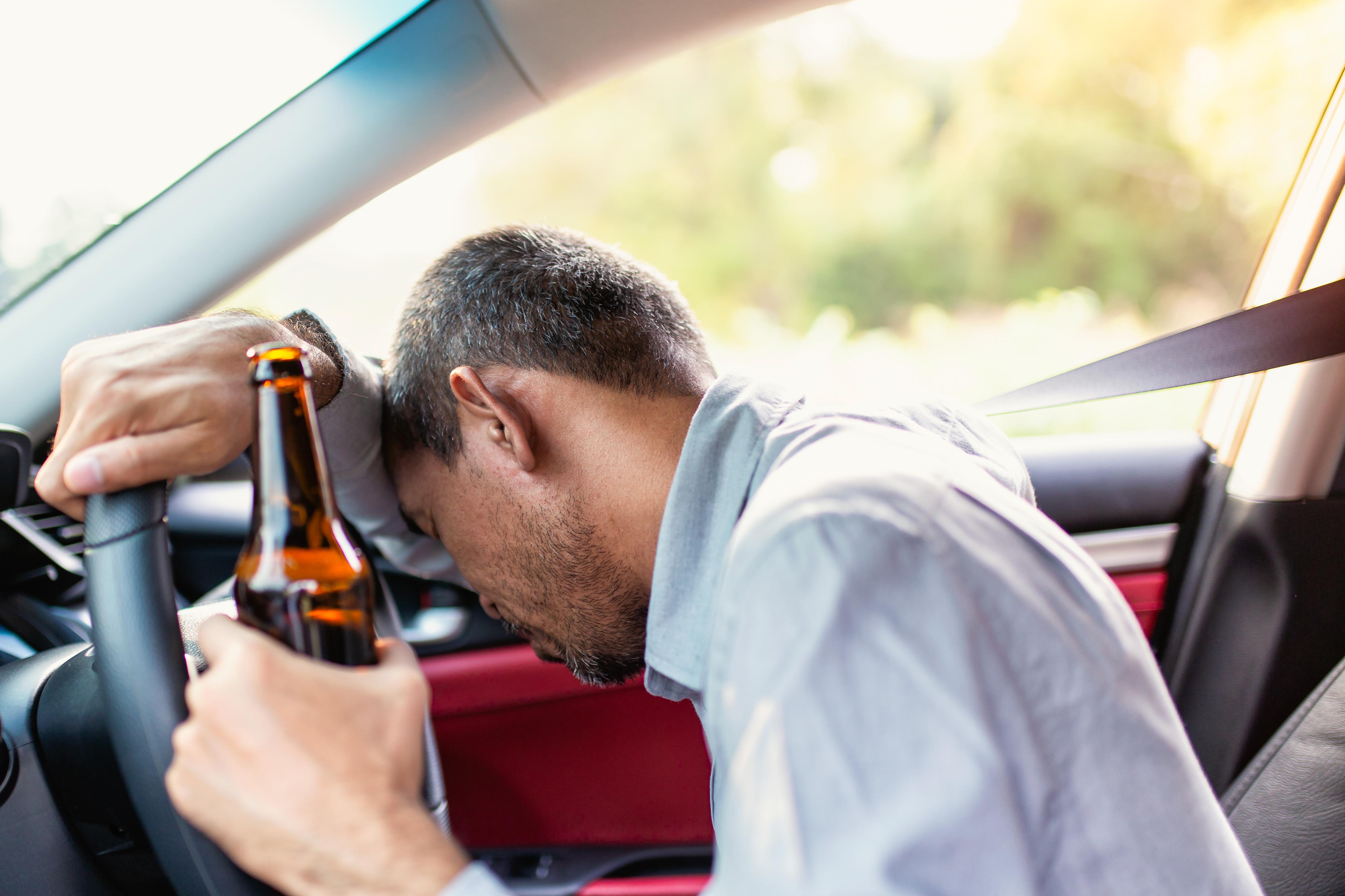 shutterstock_1063998809 alkoholberoende alkoholism anders åker doktorn hälsa medicin välbefinnande.jpg
