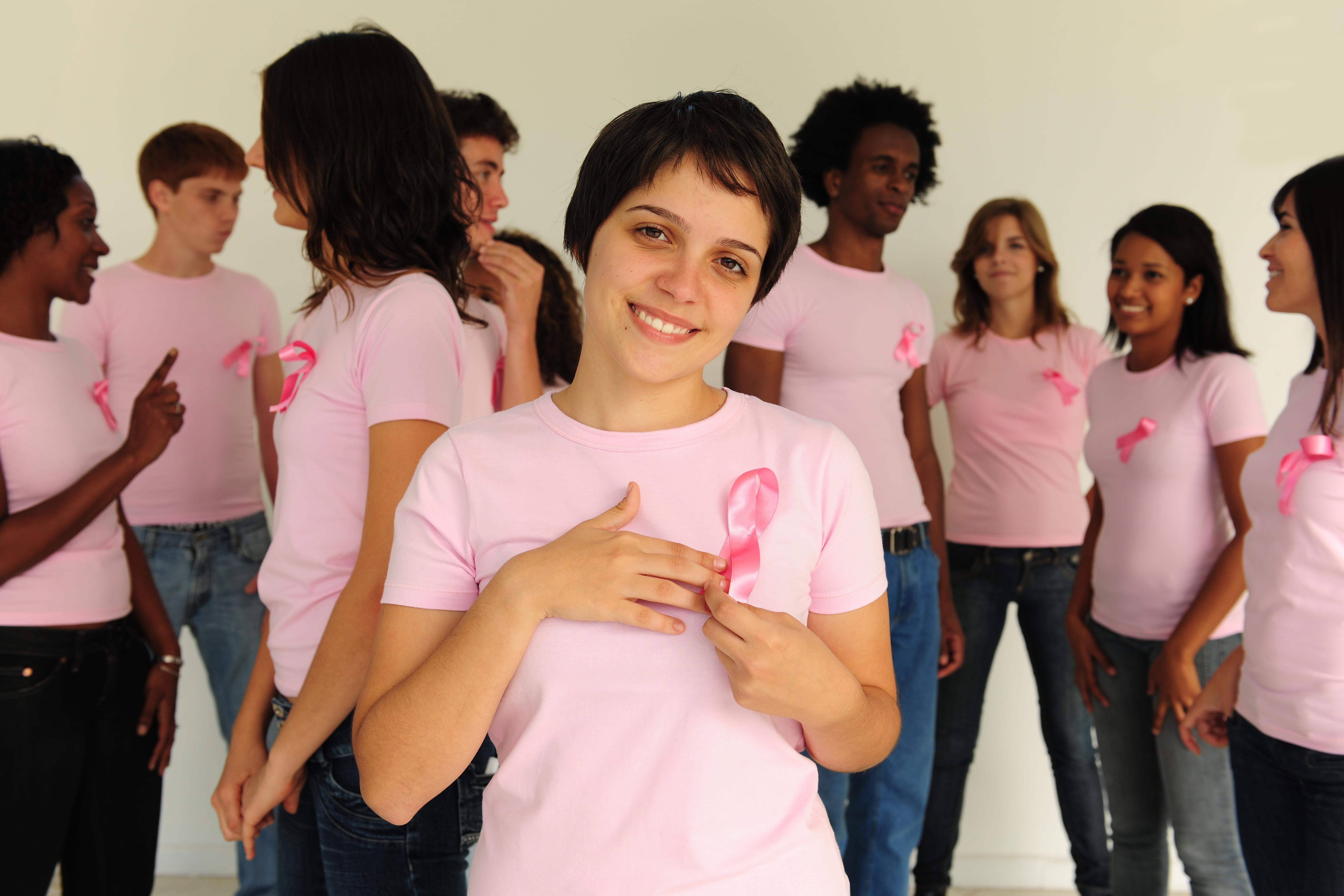 Forskningen går hela tiden framåt när det kommer till cancersjukdomar som bröstcancer och genom årliga kampanjer skapar man uppmärksamhet hos allmänheten kring sjukdomen.