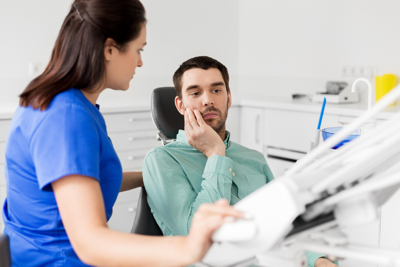 Nästan samtliga regioner redovisar brist på tandläkare, psykologer och läkare.