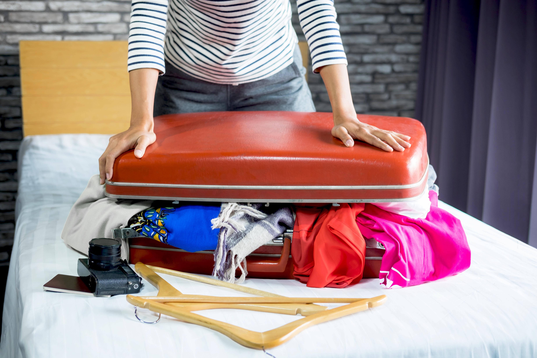 En av fem personer känner stress inför semestern och det som skapar mest stress är att inte hinna packa klart i tid.