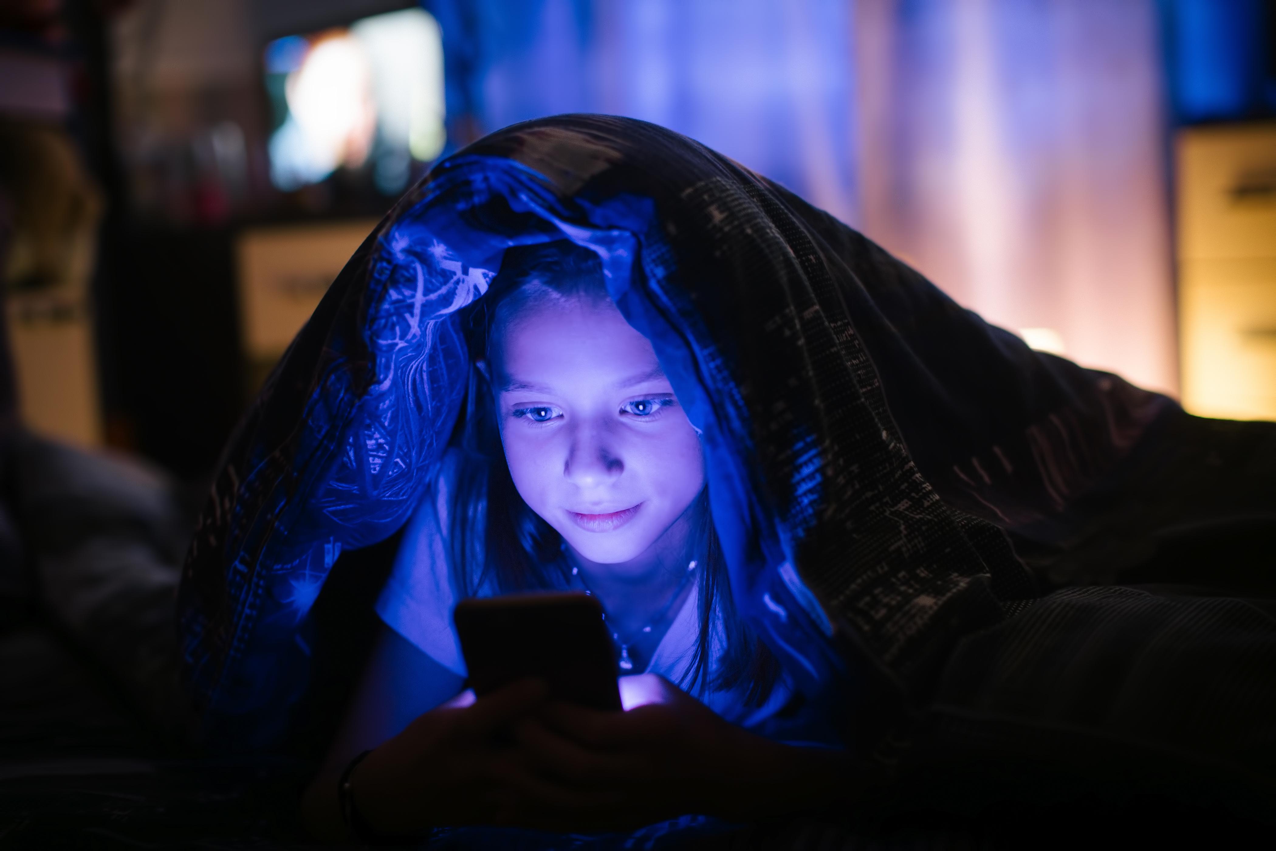 Mobiler bör inte vara i sovrummet på natten.