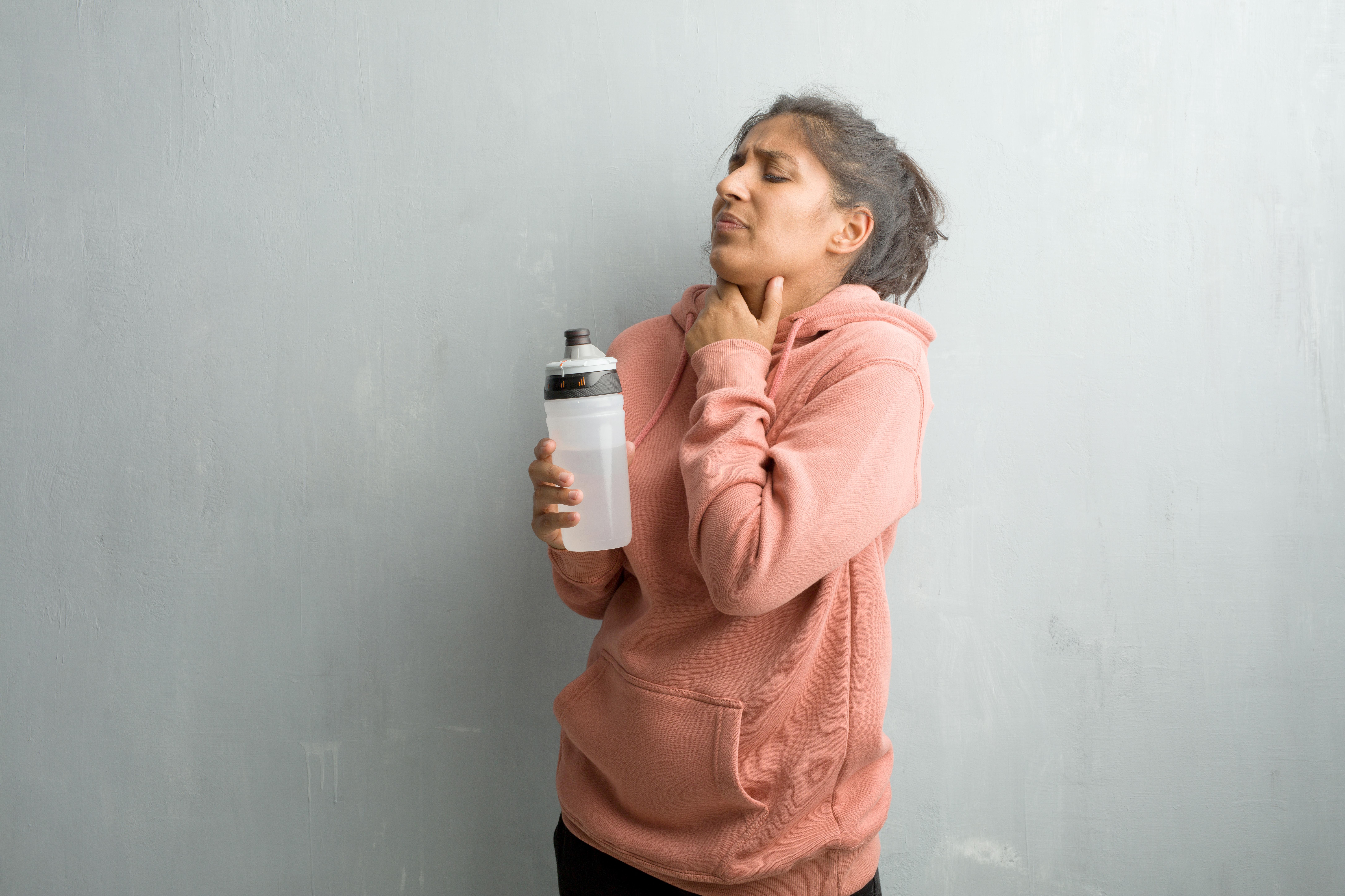 Du ska inte träna med en infektion i kroppen, exempelvis när du är förkyld.