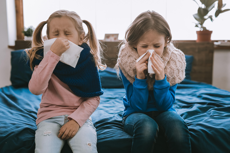 Ibland förekommer feber vid förkylning.