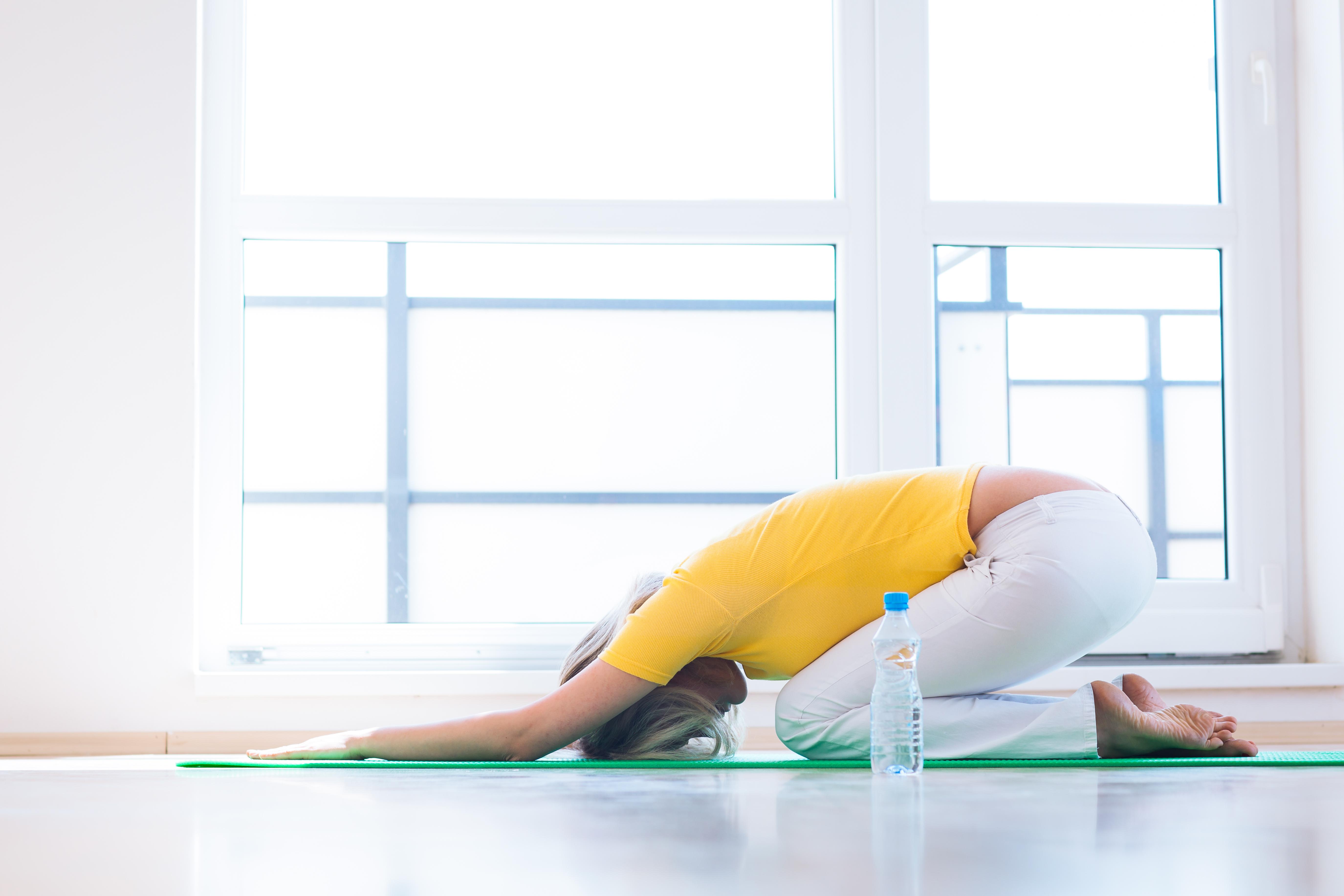 Runt 80 procent av befolkningen får ont i ryggen någon gång under livet.