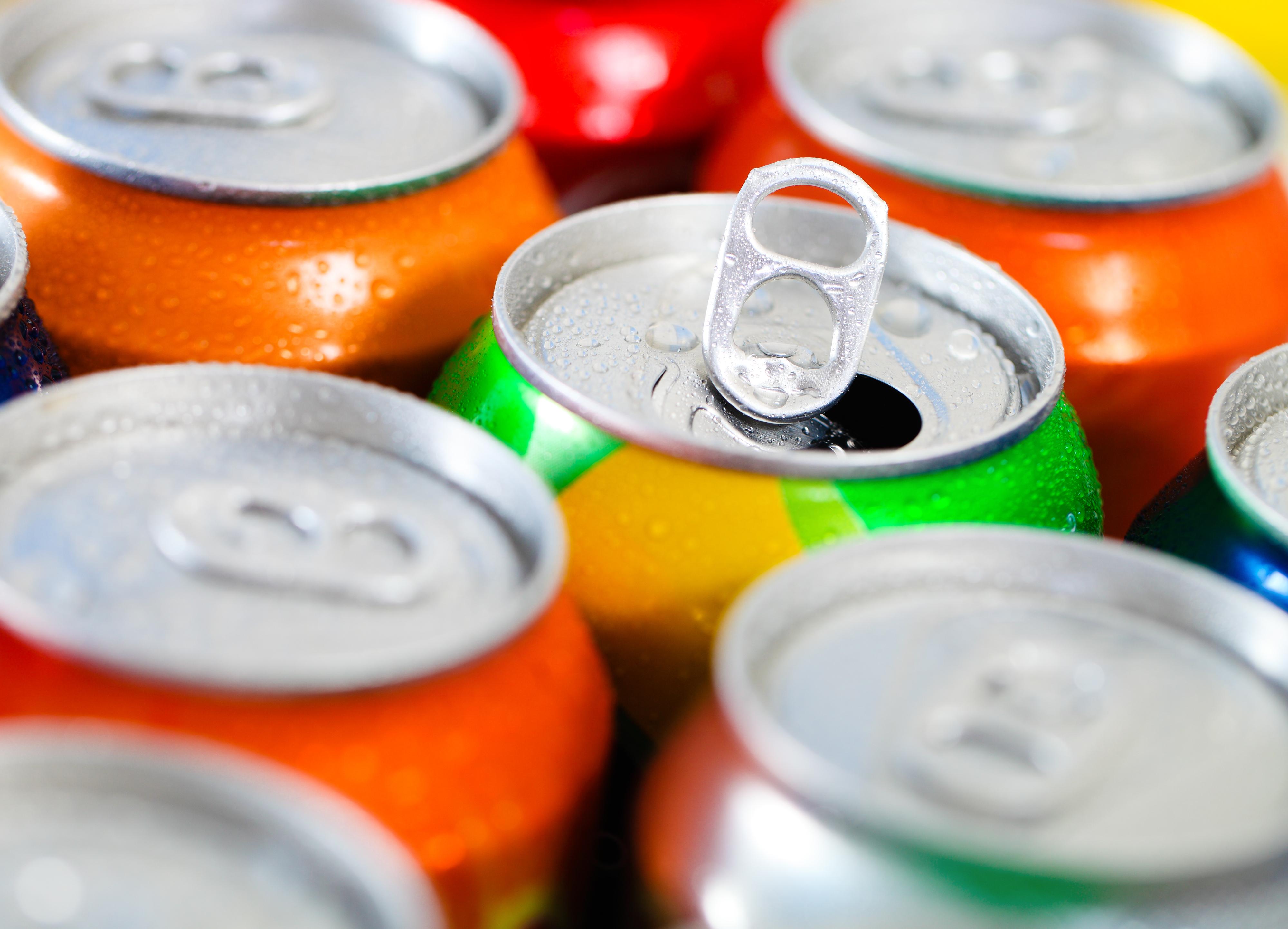 """En generell uppfattning är att lightläsk ska vara """"hälsosammare"""" än vanlig läsk, något som studien motsäger."""