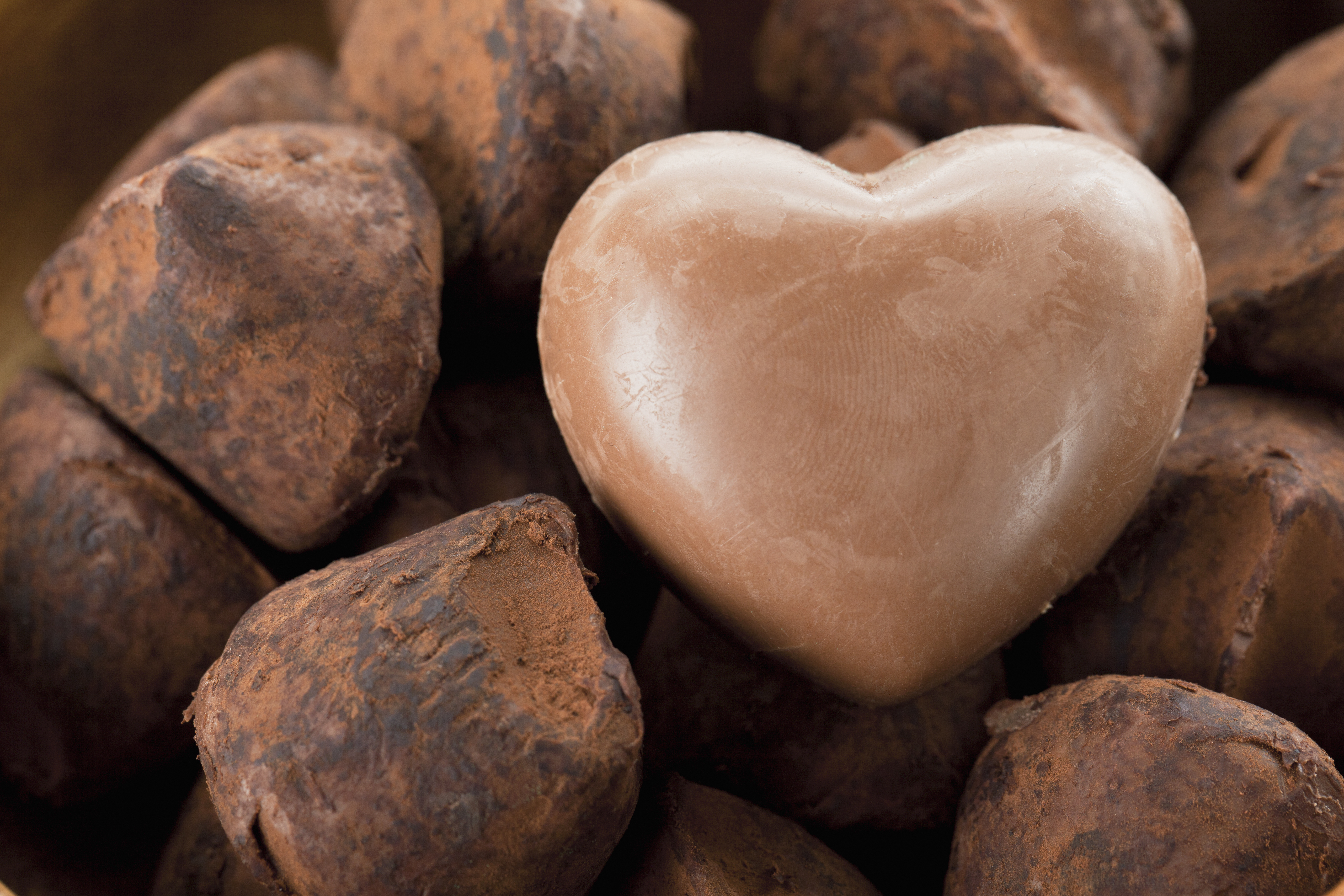 I en brittisk studie kunde man se att de som åt upp emot 100 gram choklad om dagen i genomsnitt hade 25 procent lägre risk att dö i hjärt-kärlsjukdom.