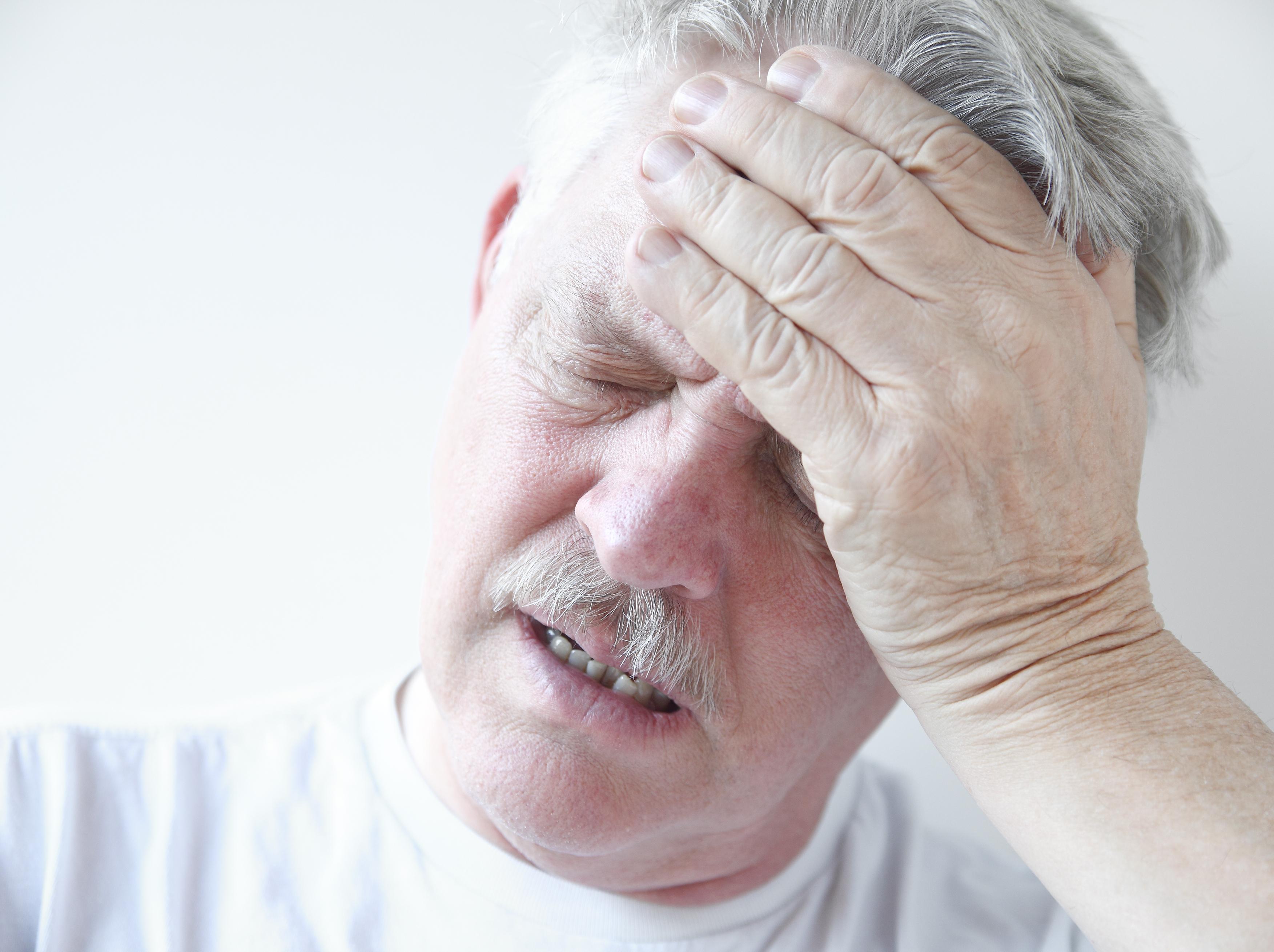 huvudvärk illamående trötthet magont