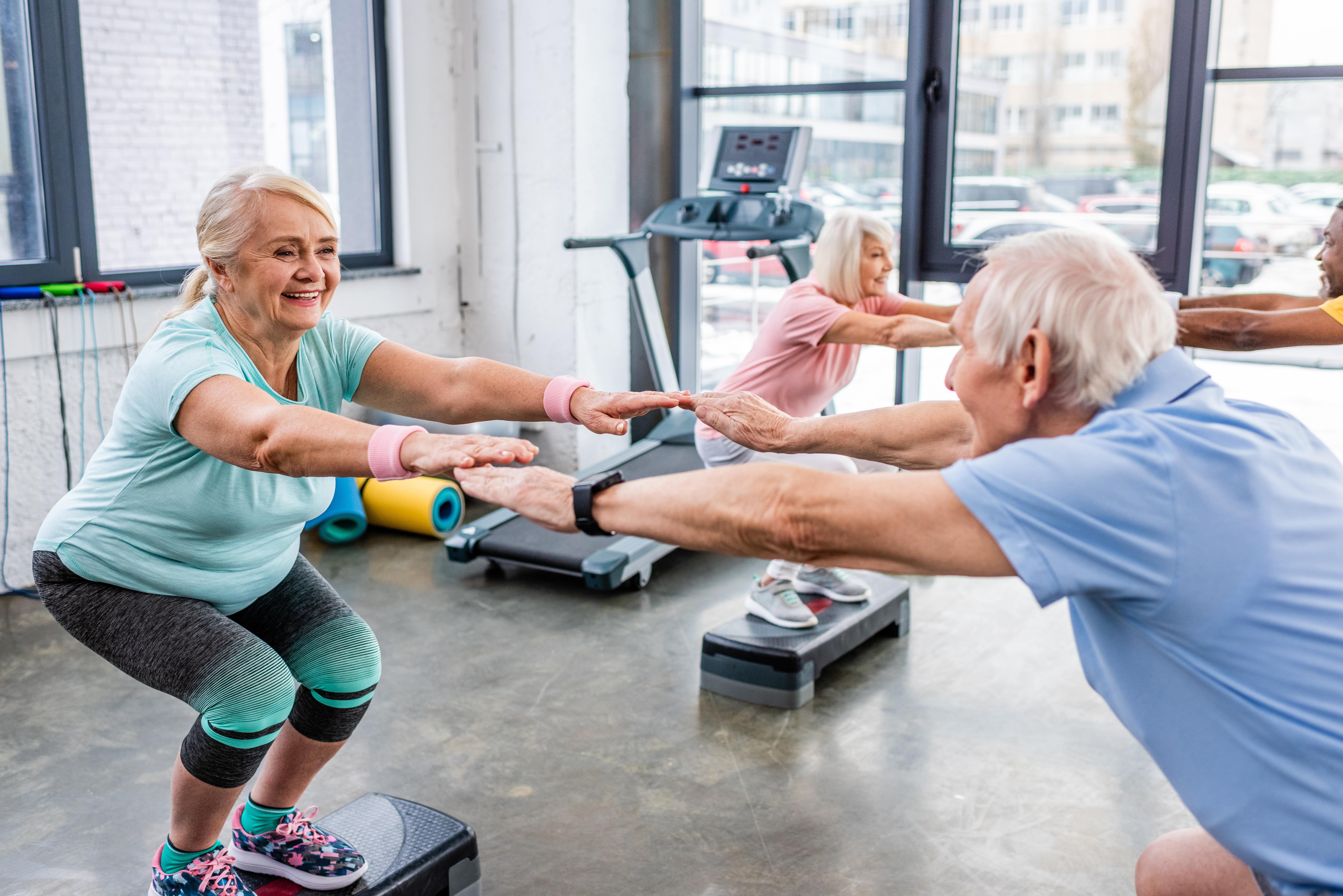 Det handlade om träning i funktionella viktbärande positioner liknade vardagliga rörelser, som uppresningar, trappgång, bålrotation och gång.