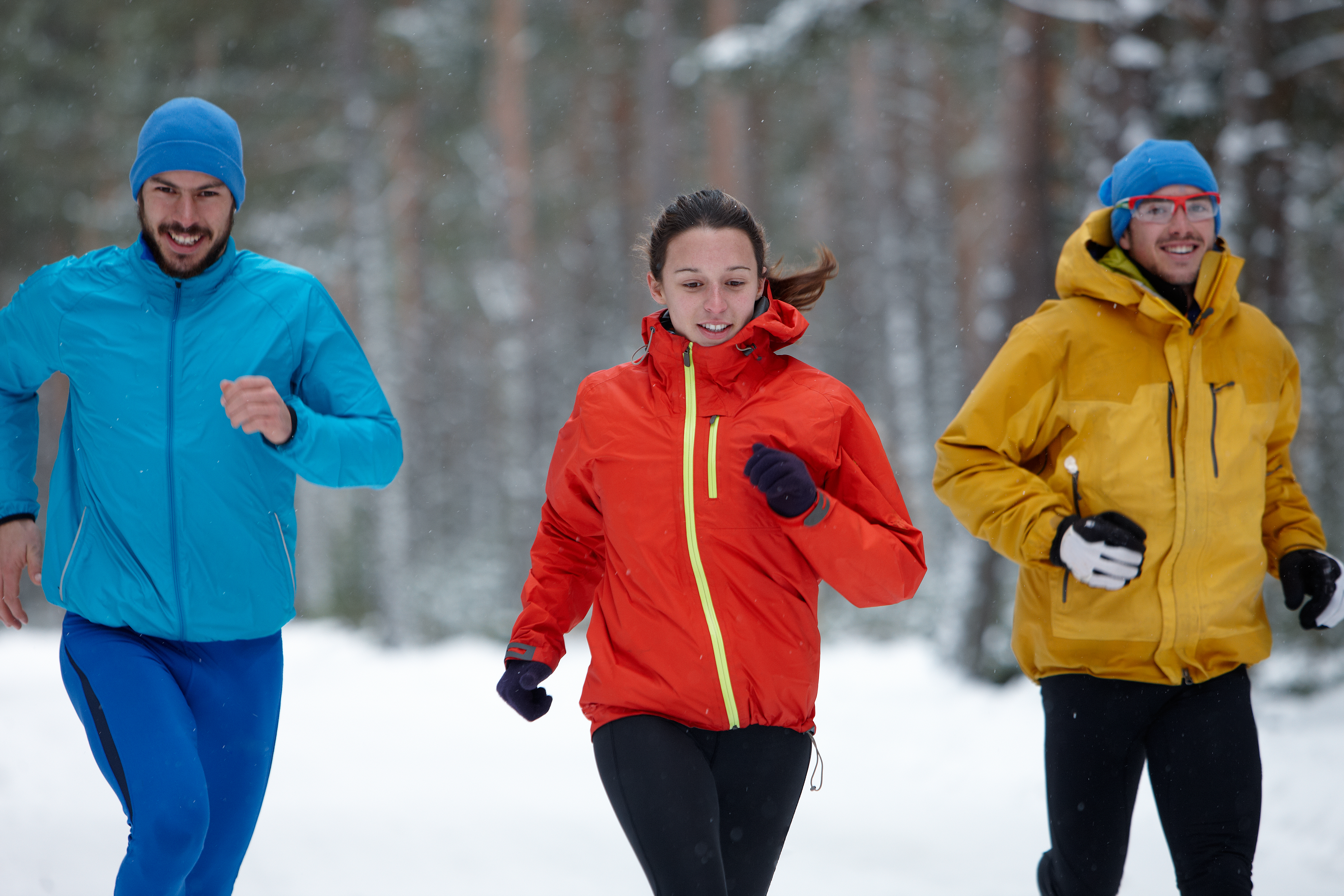 Kvinnor som tränar regelbundet en eller flera gånger i veckan upplever mindre svettningar.