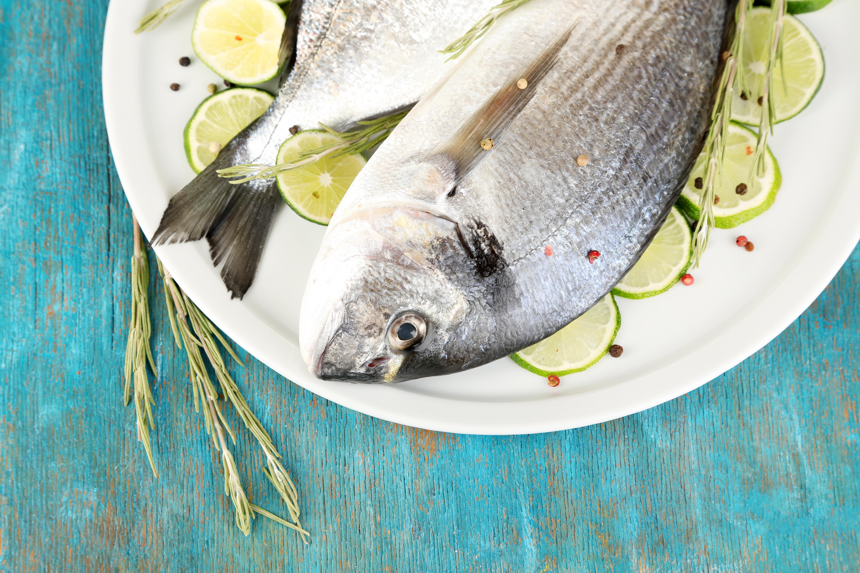 E-vitamin finns bland annat i fisk.