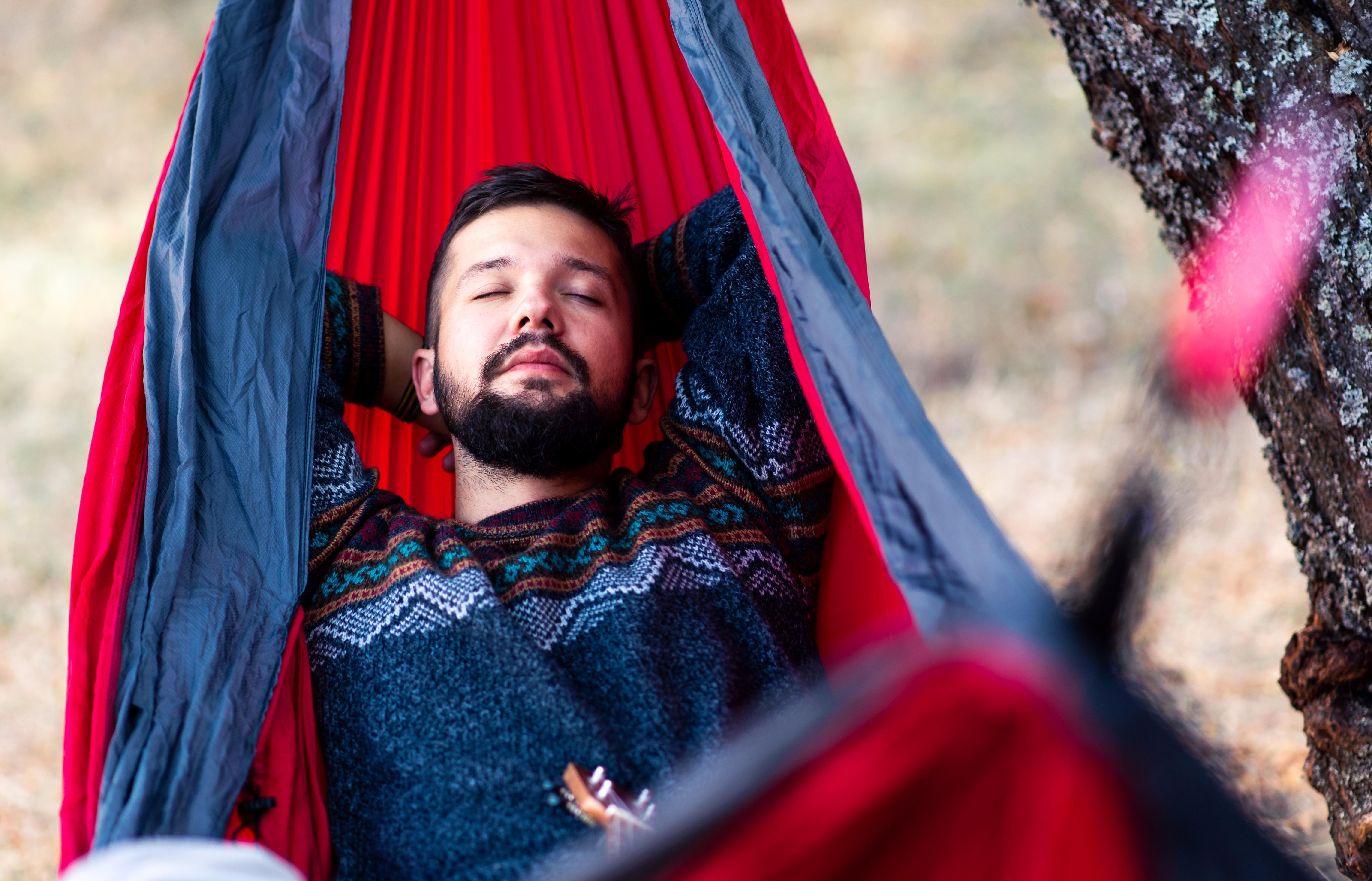 Att sova i en gungande säng ger inte bara snabbare insomning utan även djupare sömn, färre uppvaknanden och bättre minne.