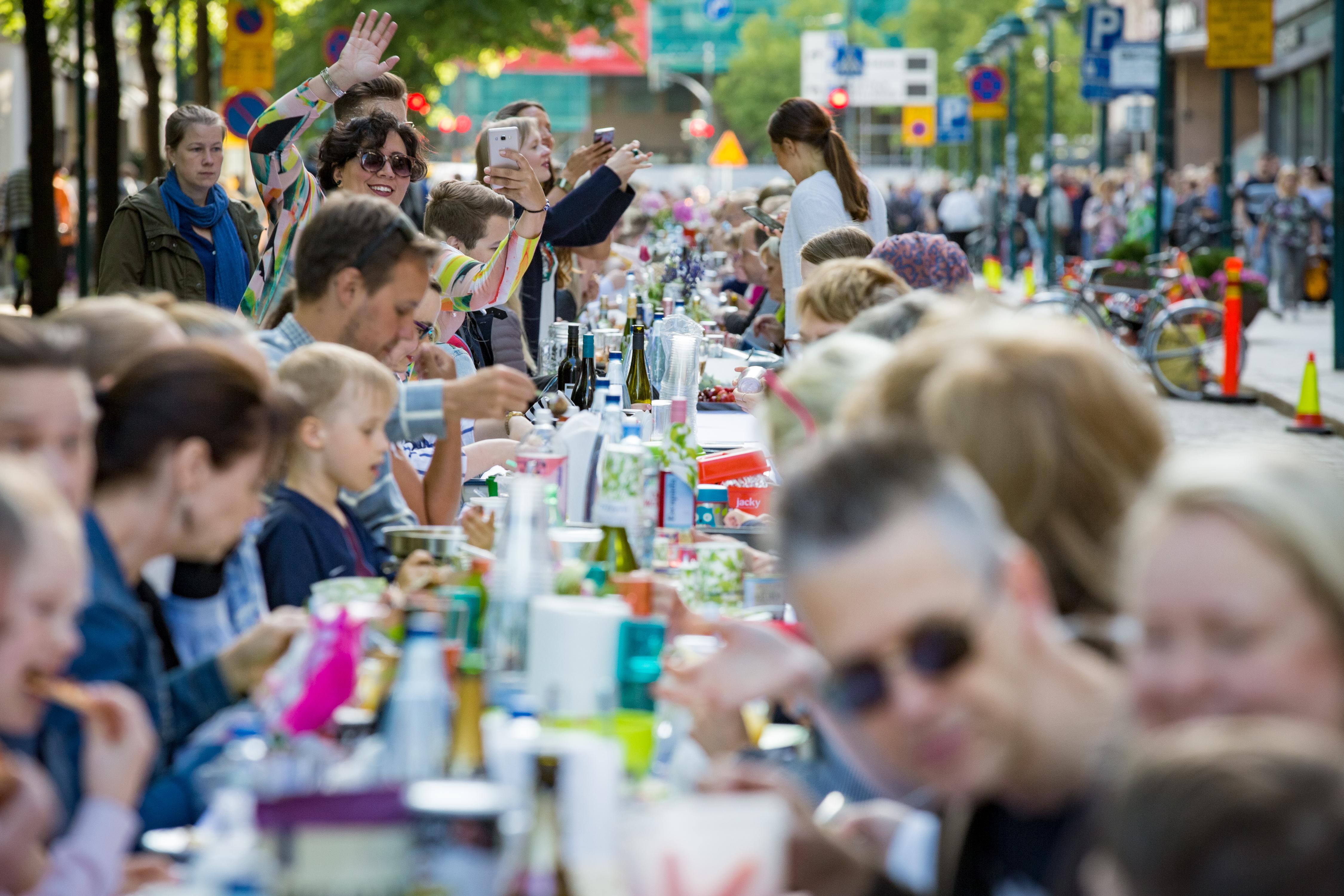 Personer av finländskt ursprung anger i många fall mer värkrelaterade besvär, sämre levnadsvanor och livsvillkor än Sveriges befolkning i övrigt.