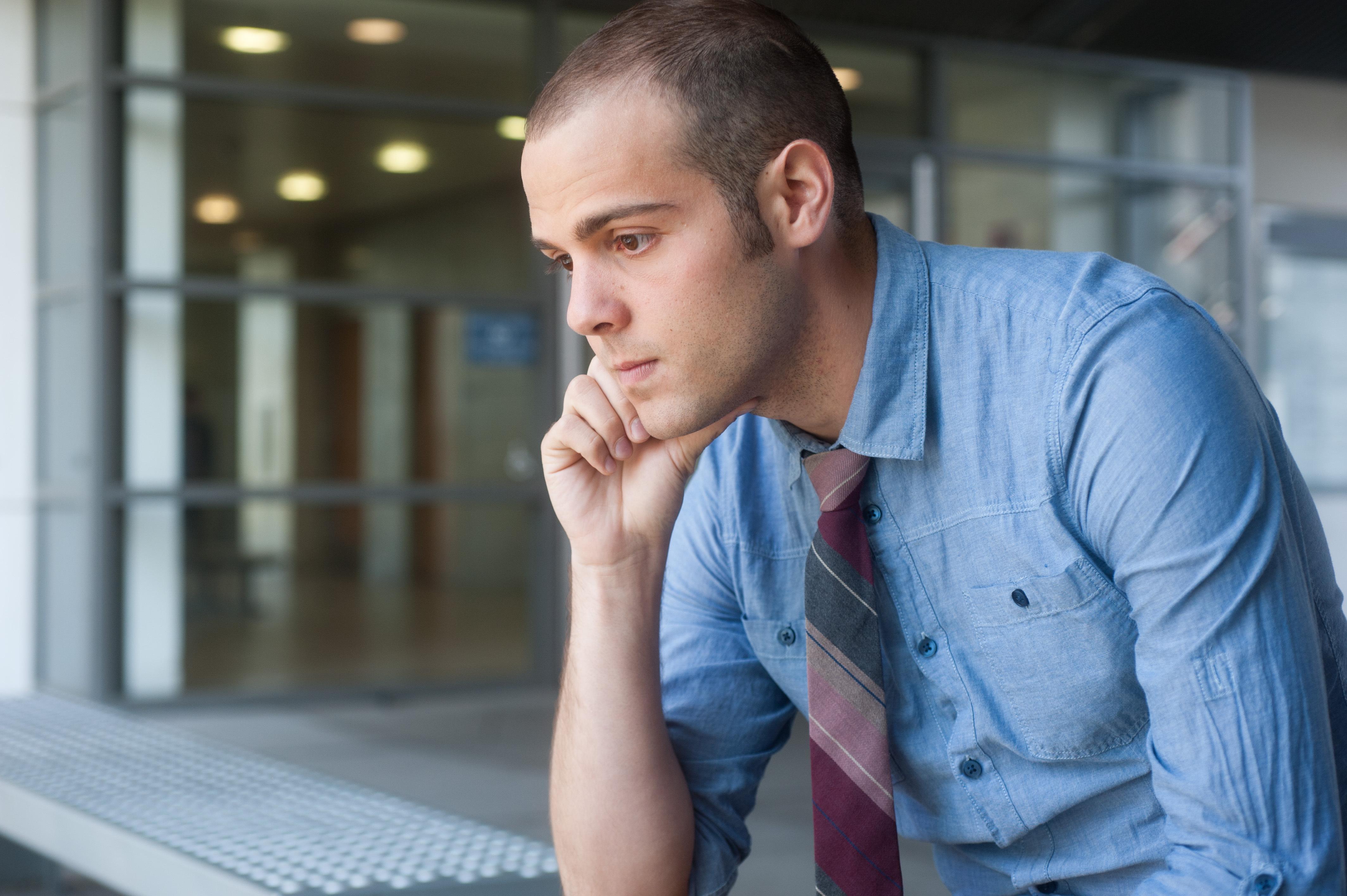 Osäkra anställningsformer kan enligt studien ge problem som känningar i magen, rastlöshet, koncentrationssvårigheter, hjärtklappning och panik.
