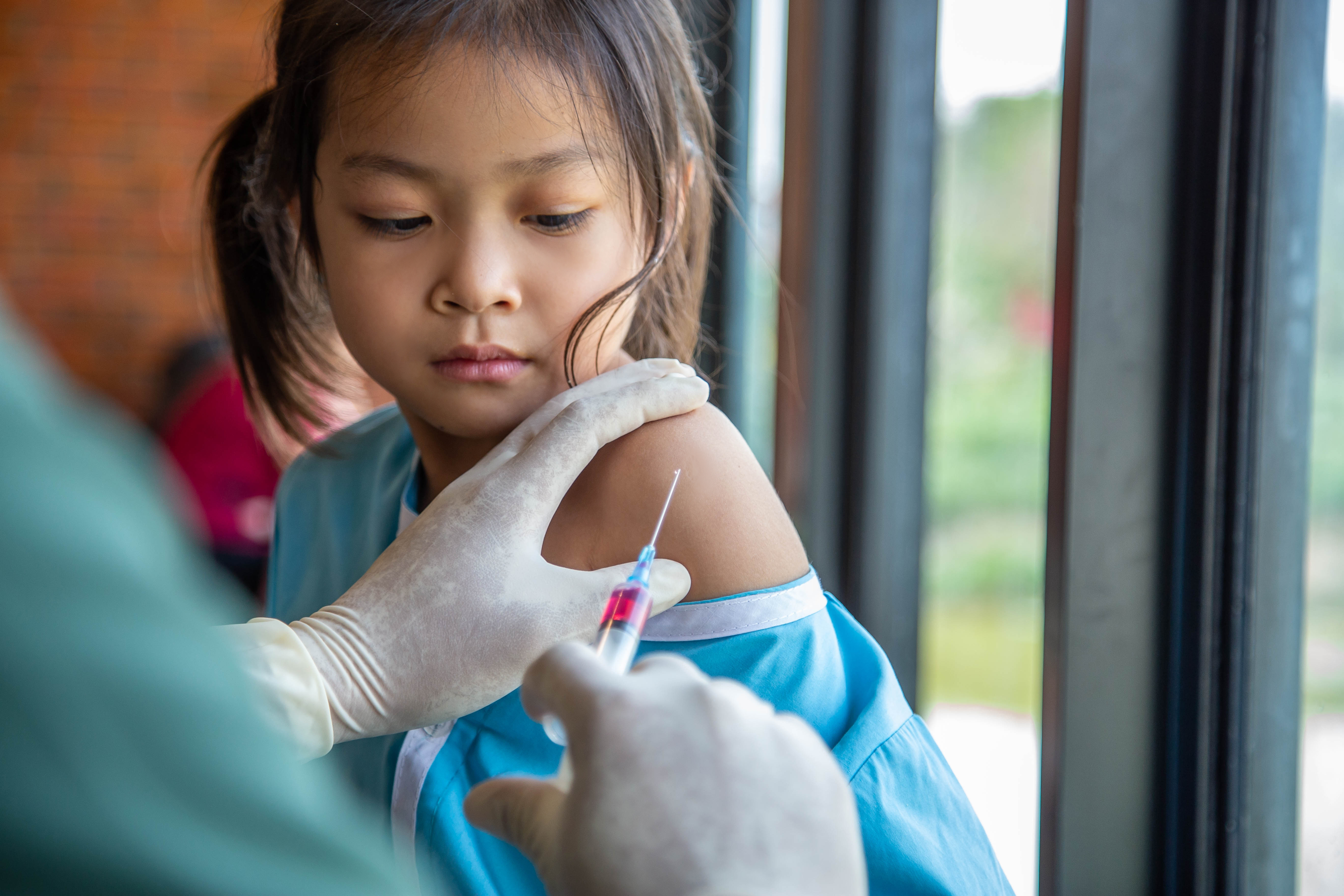 Vaccin är viktigt för att förebygga smitta av hepatit B.