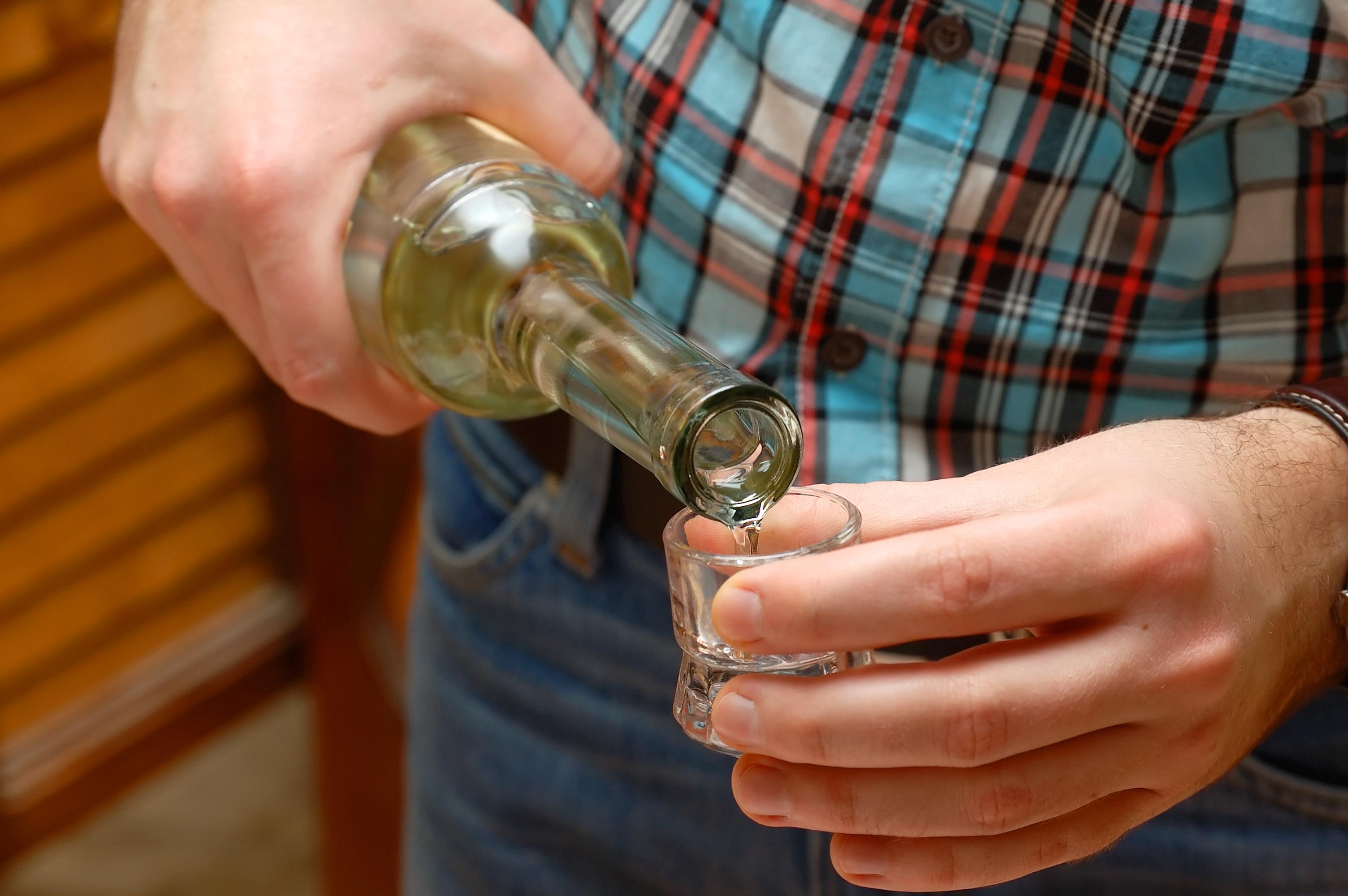 Förhållandet mellan ASAT och ALAT kan hjälpa till att avgöra huruvida alkoholmissbruk har varit en orsak till leverskadan.