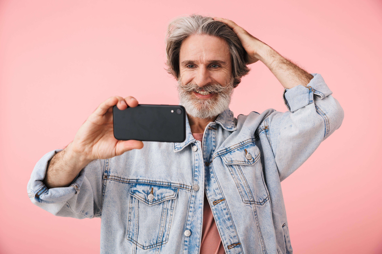 En typ av mobilarmbåge är den som orsakas av att man under långa perioder böjer armbågen i över 90 graders vinkel