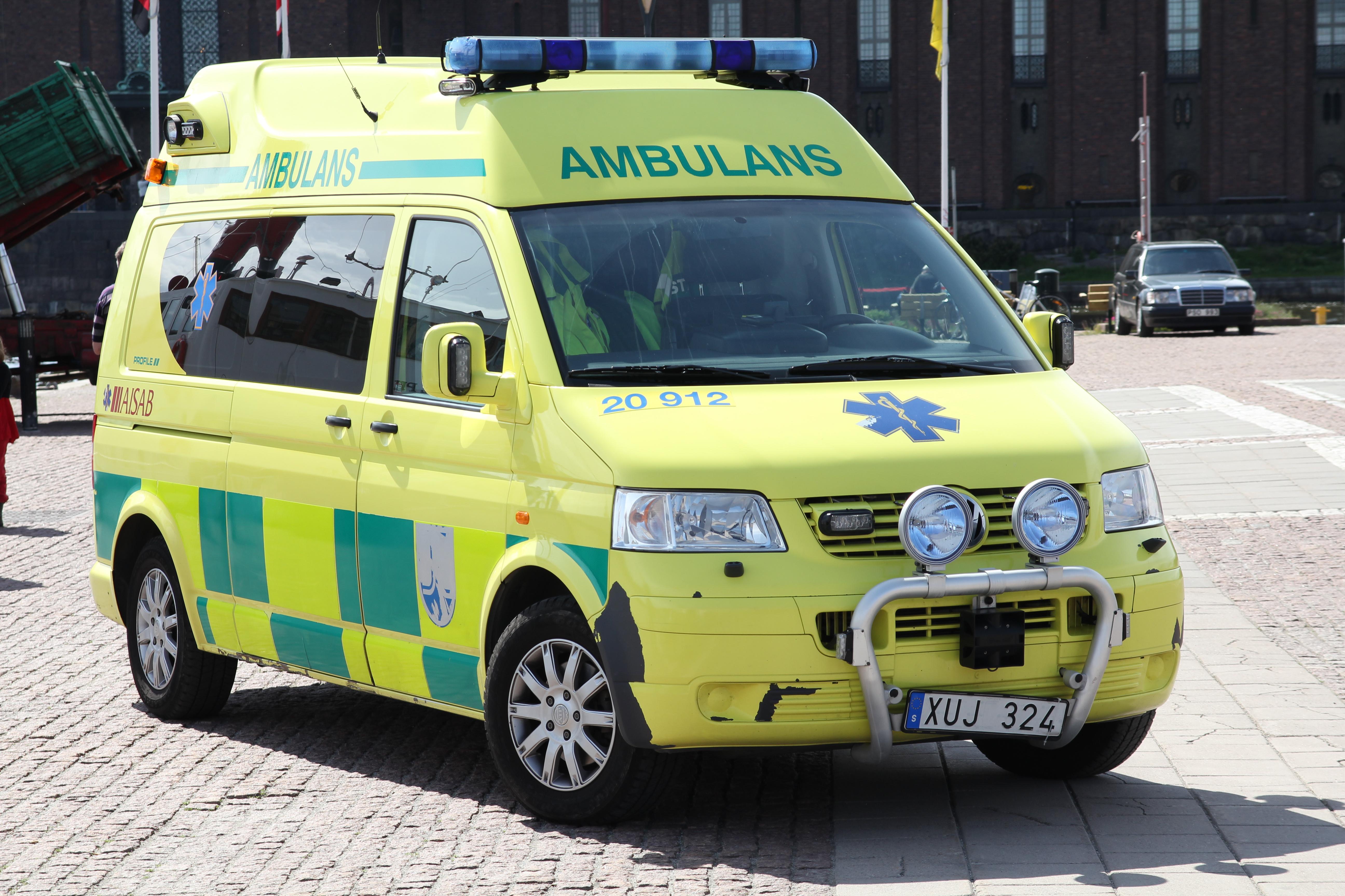 Under de senaste fem åren har väntetiden på ambulans ökat i stora delar av landet.  I snitt handlar det om cirka 30 sekunders längre väntetid.