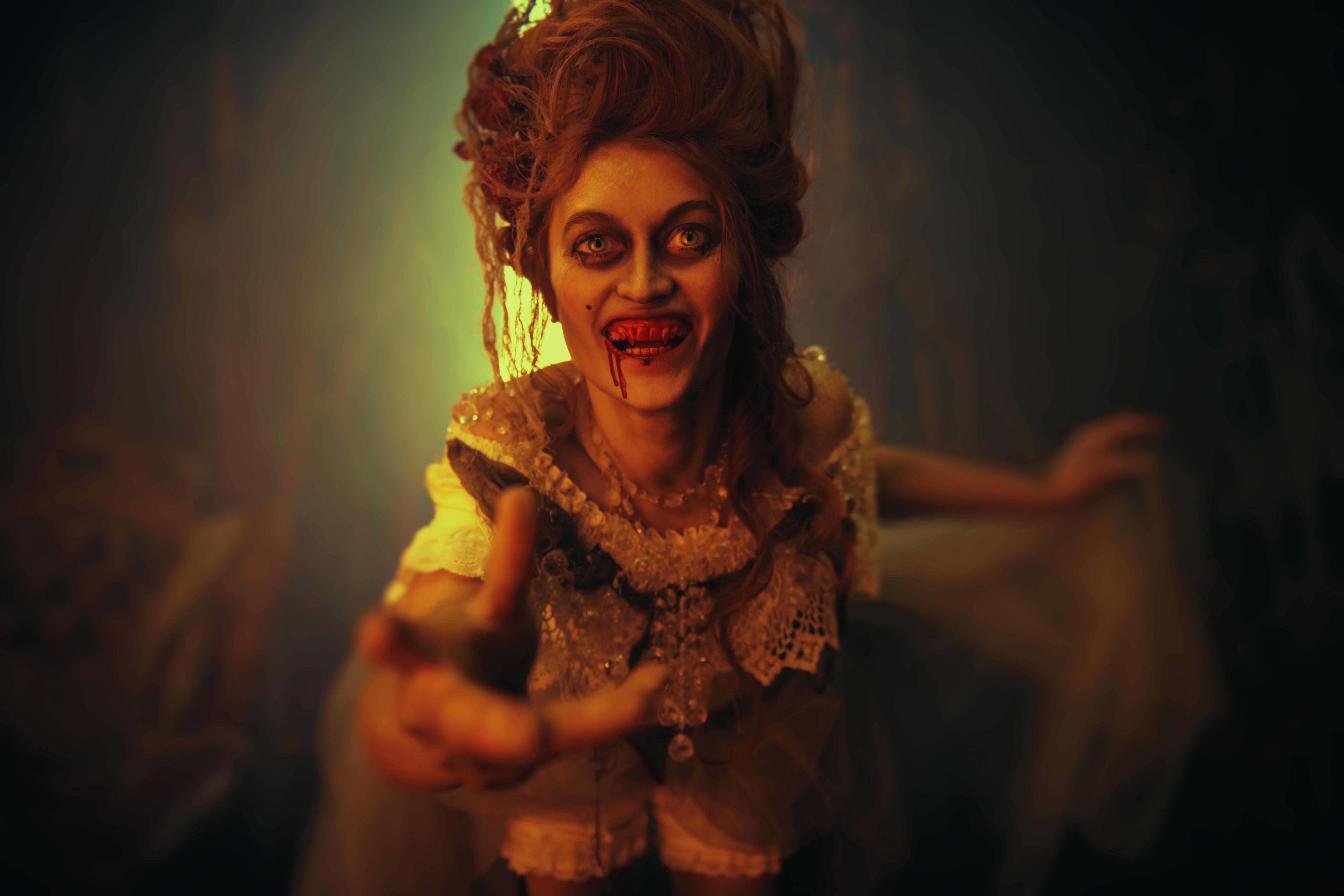 Vampyrer har funnits sedan urminnes tider, den mest kända är nog Dracula.