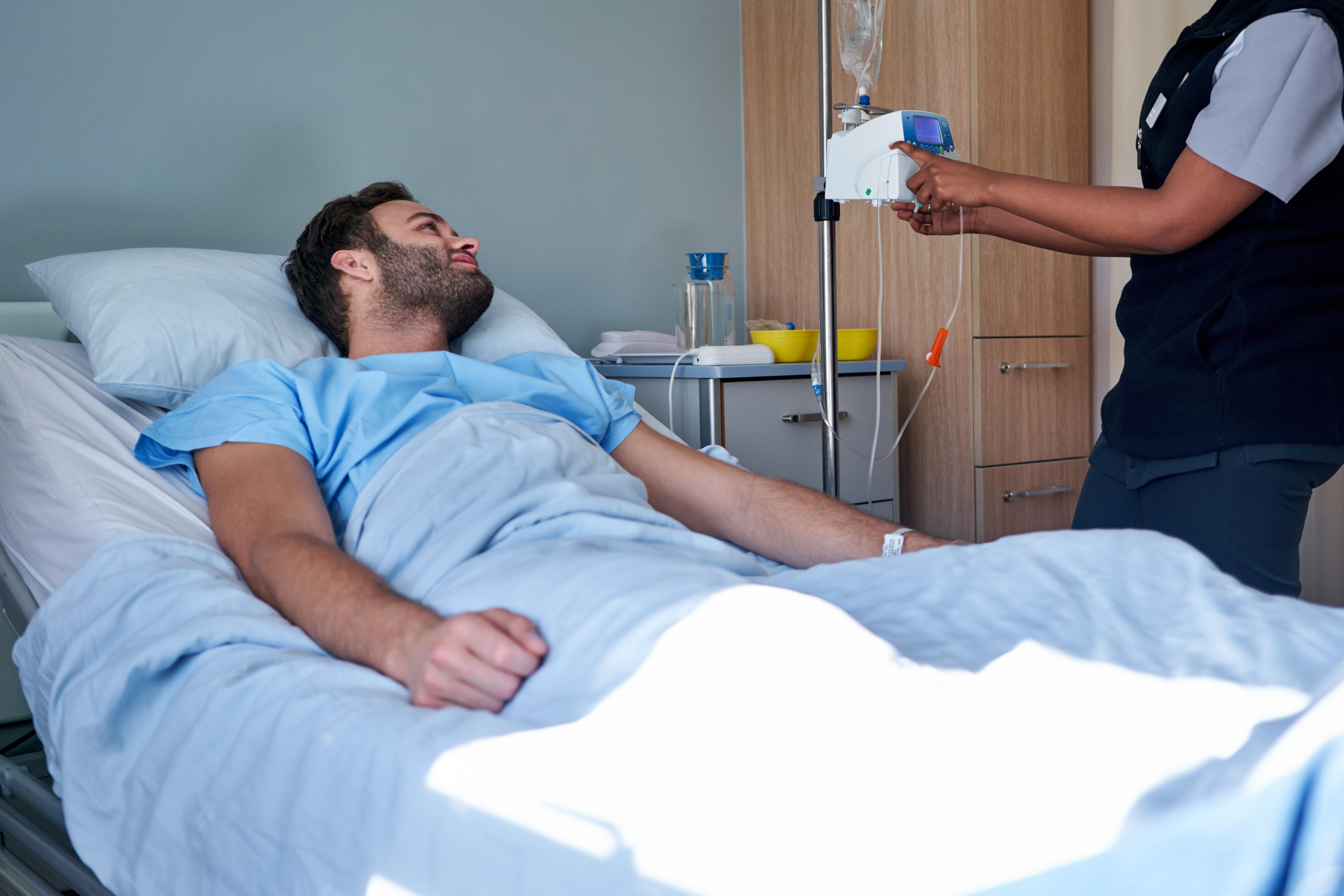 Studien skiljer sig från tidigare undersökningar eftersom den tagit hänsyn till patienternas tumörstadier när cancerrisken värderats och dessutom undersökt dödlighet