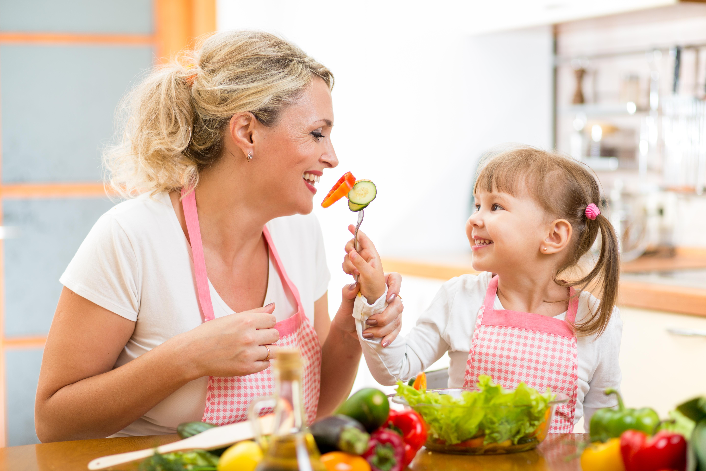 Vår livsstil och vad vi äter påverkar tarmfloran.