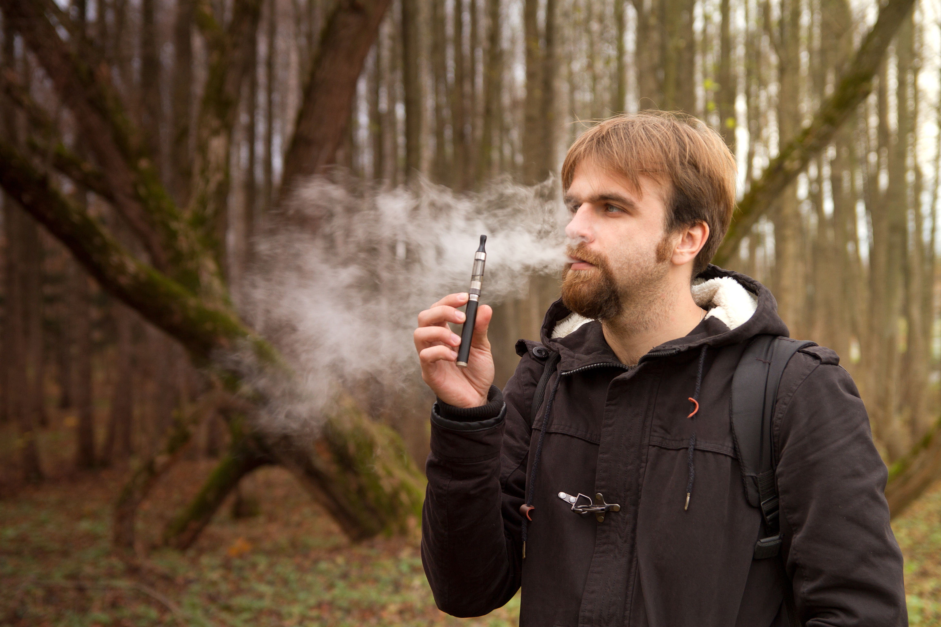 Det kan ta flera år innan forskarna kan se och bekräfta de eventuellt skadliga effekterna från de populära e-cigaretterna.