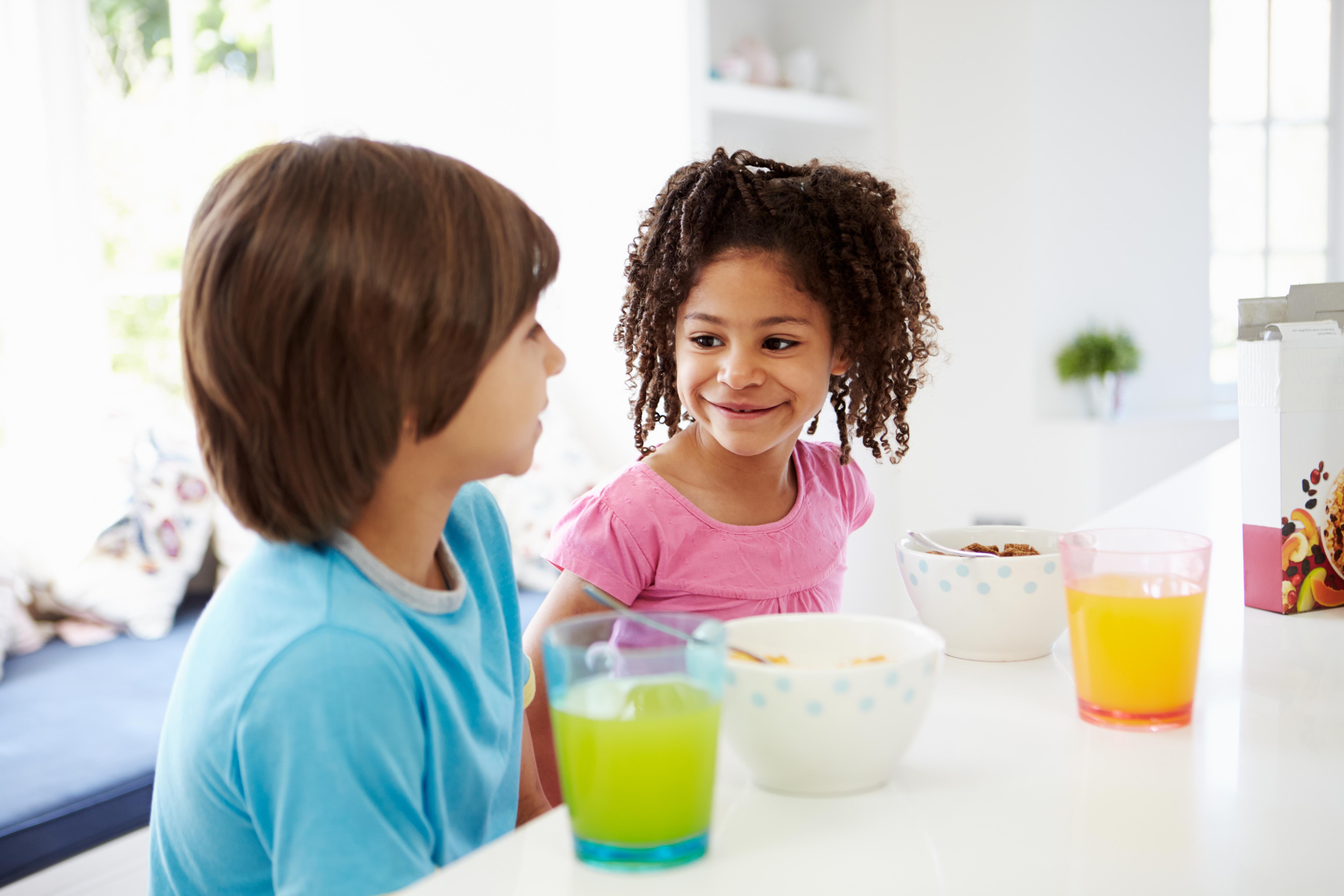 Resultaten visade att barnen i interventionsgrupp hade en signifikant minskning i intag av onyttig mat och dryck jämfört med de i kontrollgruppen.