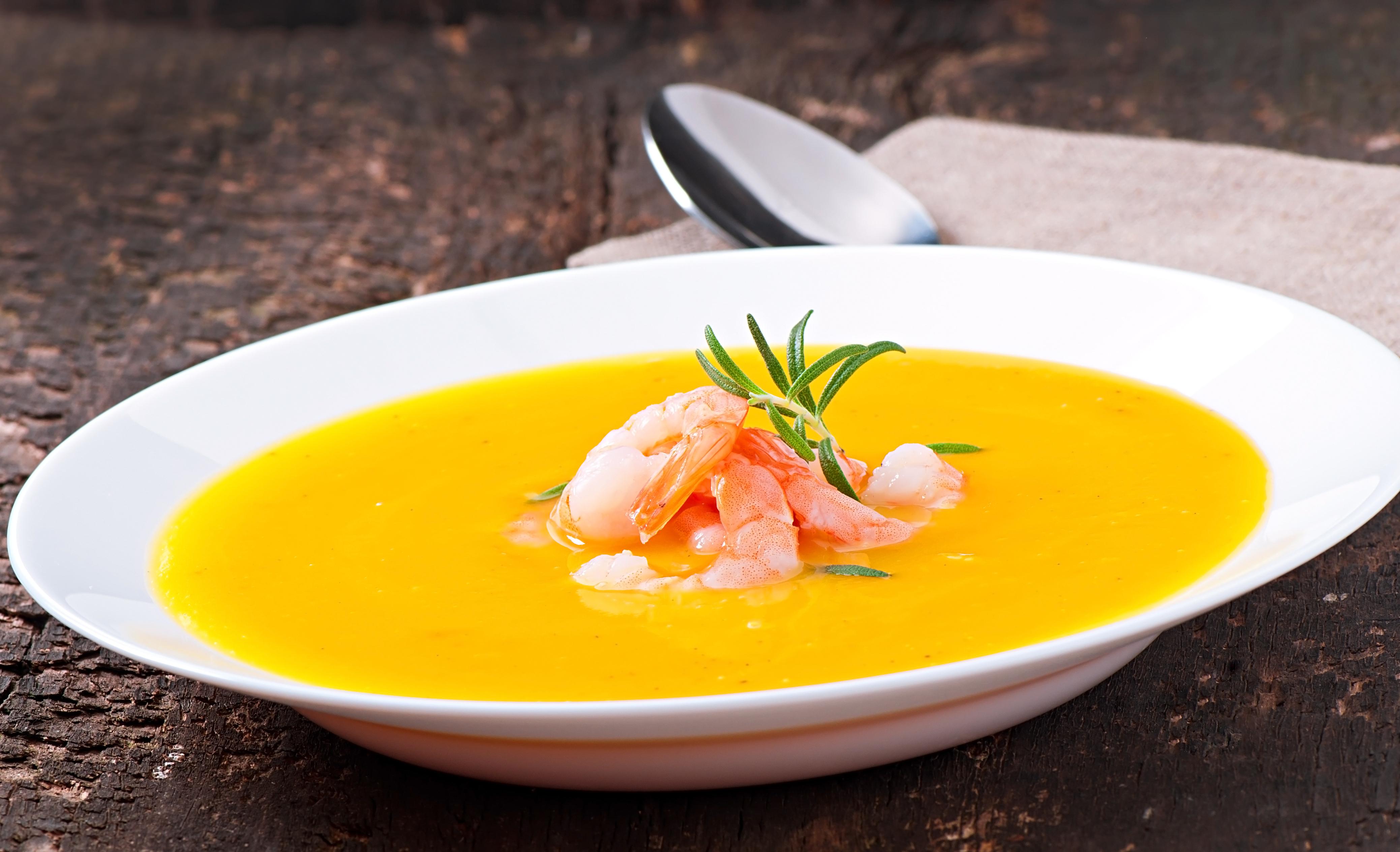 shutterstock_170315012 veckans recept DOKTORN räksoppa för IBS-magar IBS-mat gluten och laktosfri soppa med räkor.jpg