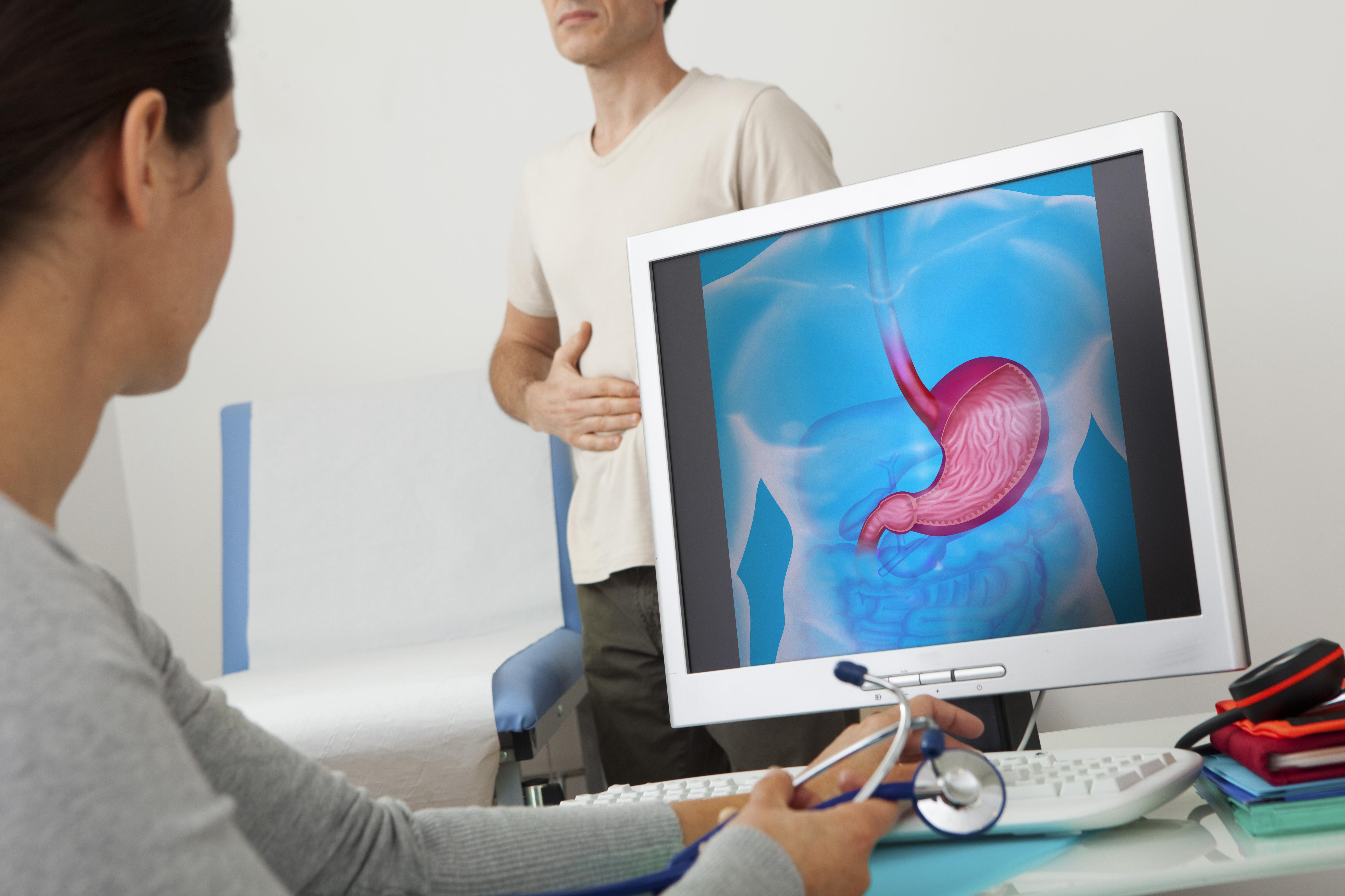 För att diagnostisera avföringsinkontinens kan läkaren använda sig av ett formulär där du fyller i information om symtom, hur ofta läckaget uppstår med mera.